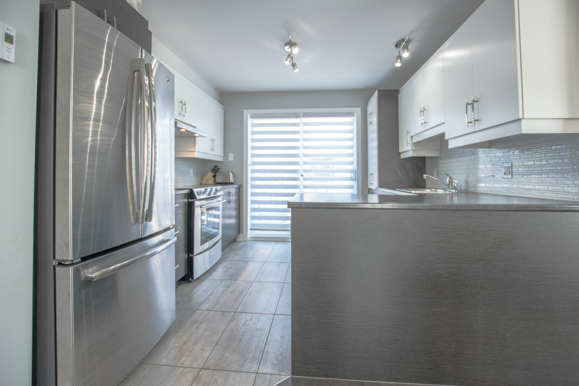 image 5 - House For sale Beauharnois - 8 rooms