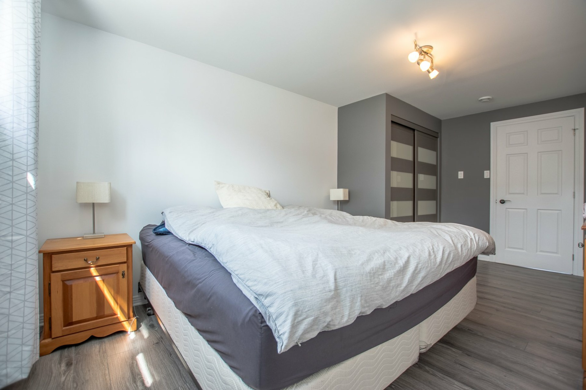 image 14 - House For sale Beauharnois - 8 rooms