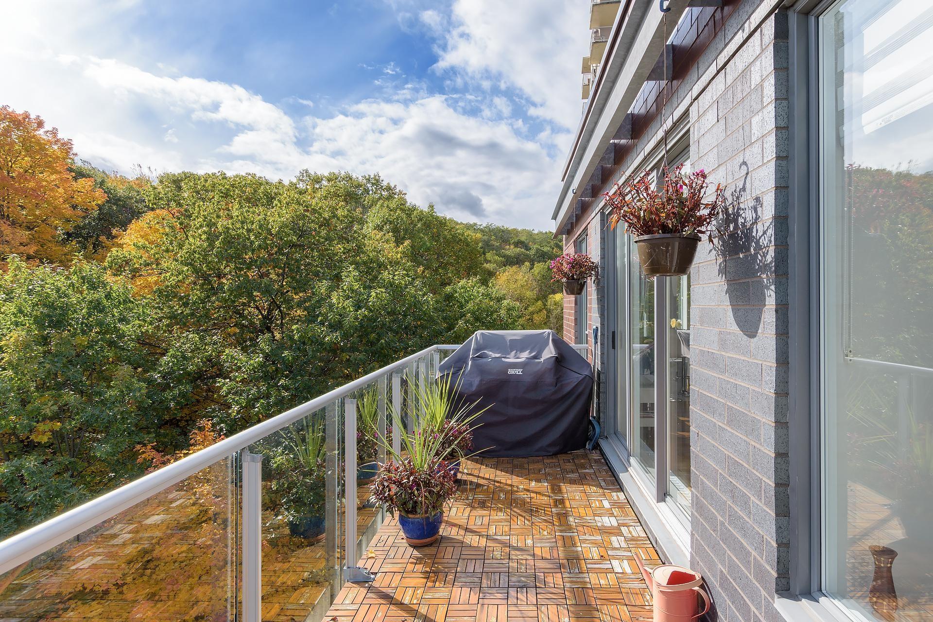 image 21 - Apartment For rent Côte-des-Neiges/Notre-Dame-de-Grâce Montréal  - 5 rooms