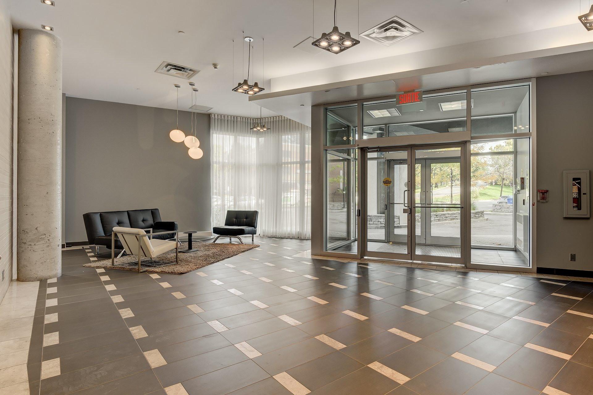 image 20 - Apartment For rent Côte-des-Neiges/Notre-Dame-de-Grâce Montréal  - 5 rooms