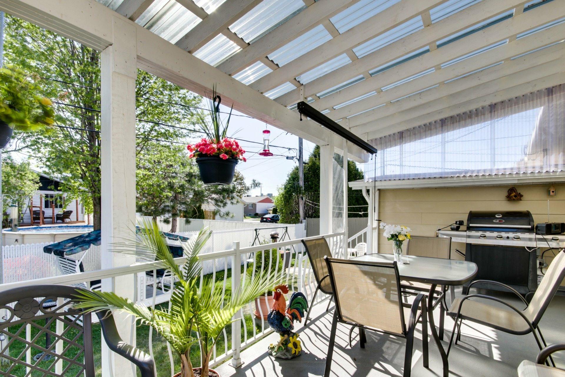 image 1 - House For sale Trois-Rivières - 8 rooms