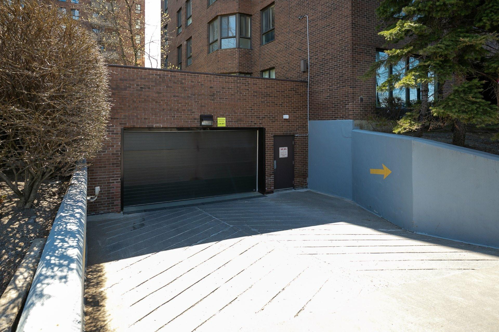 image 2 - Apartment For sale Côte-des-Neiges/Notre-Dame-de-Grâce Montréal  - 10 rooms