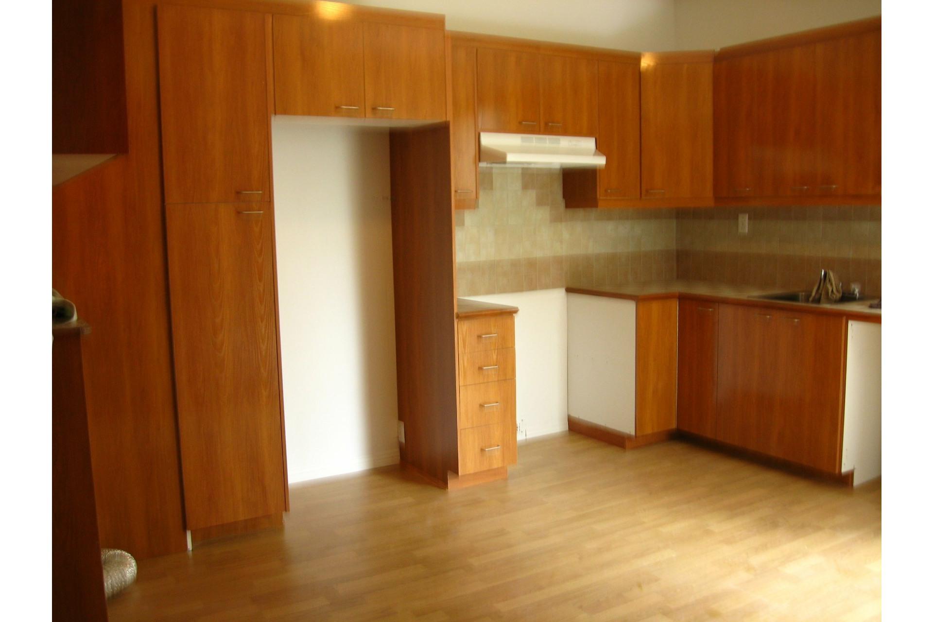 image 5 - Triplex For sale Le Sud-Ouest Montréal  - 5 rooms