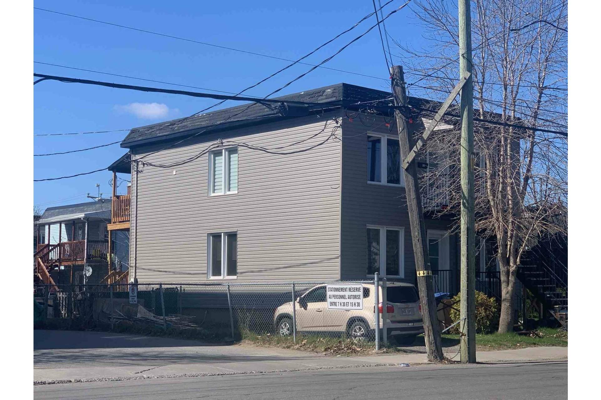 image 1 - Duplex À vendre Trois-Rivières - 9 pièces