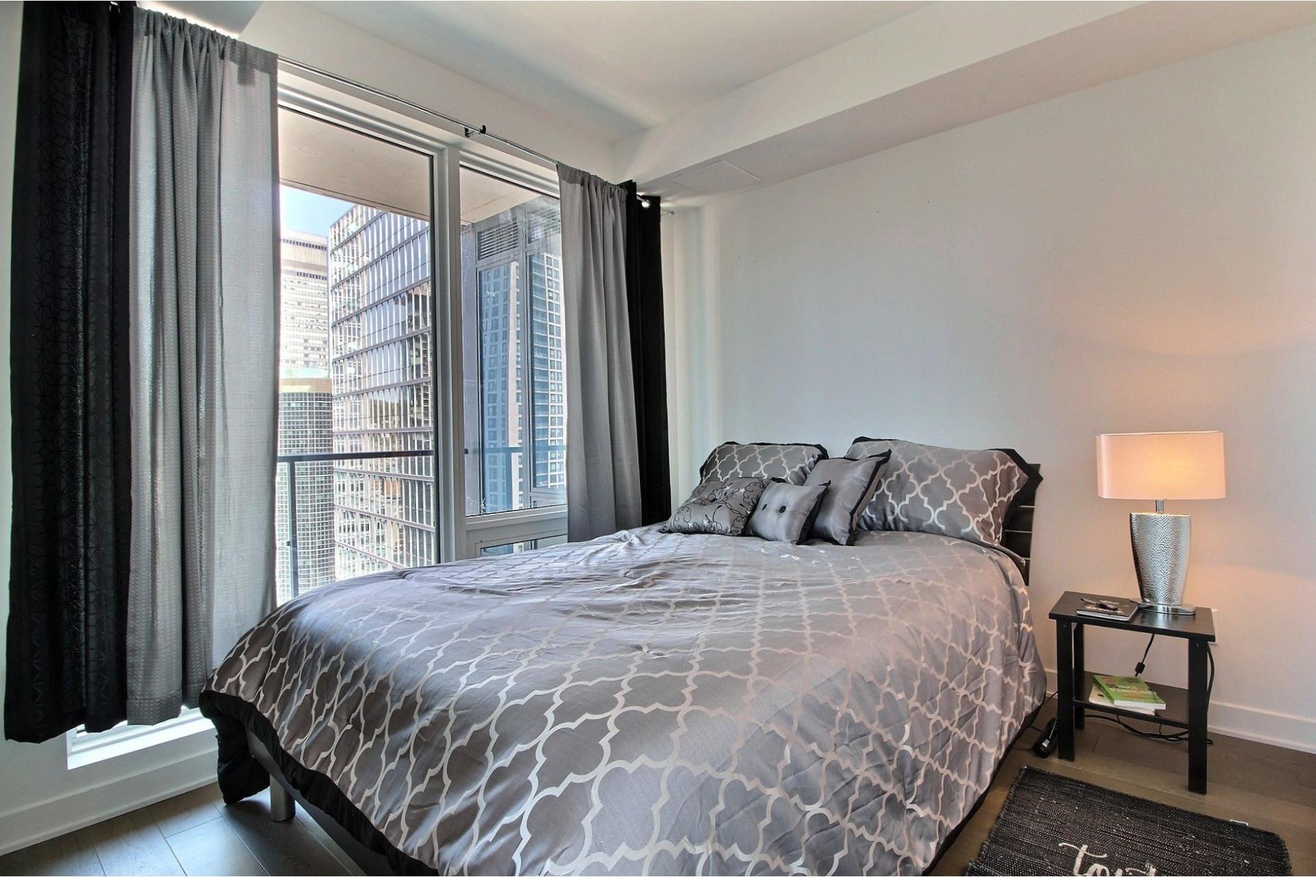 image 11 - Appartement À louer Ville-Marie Montréal  - 6 pièces