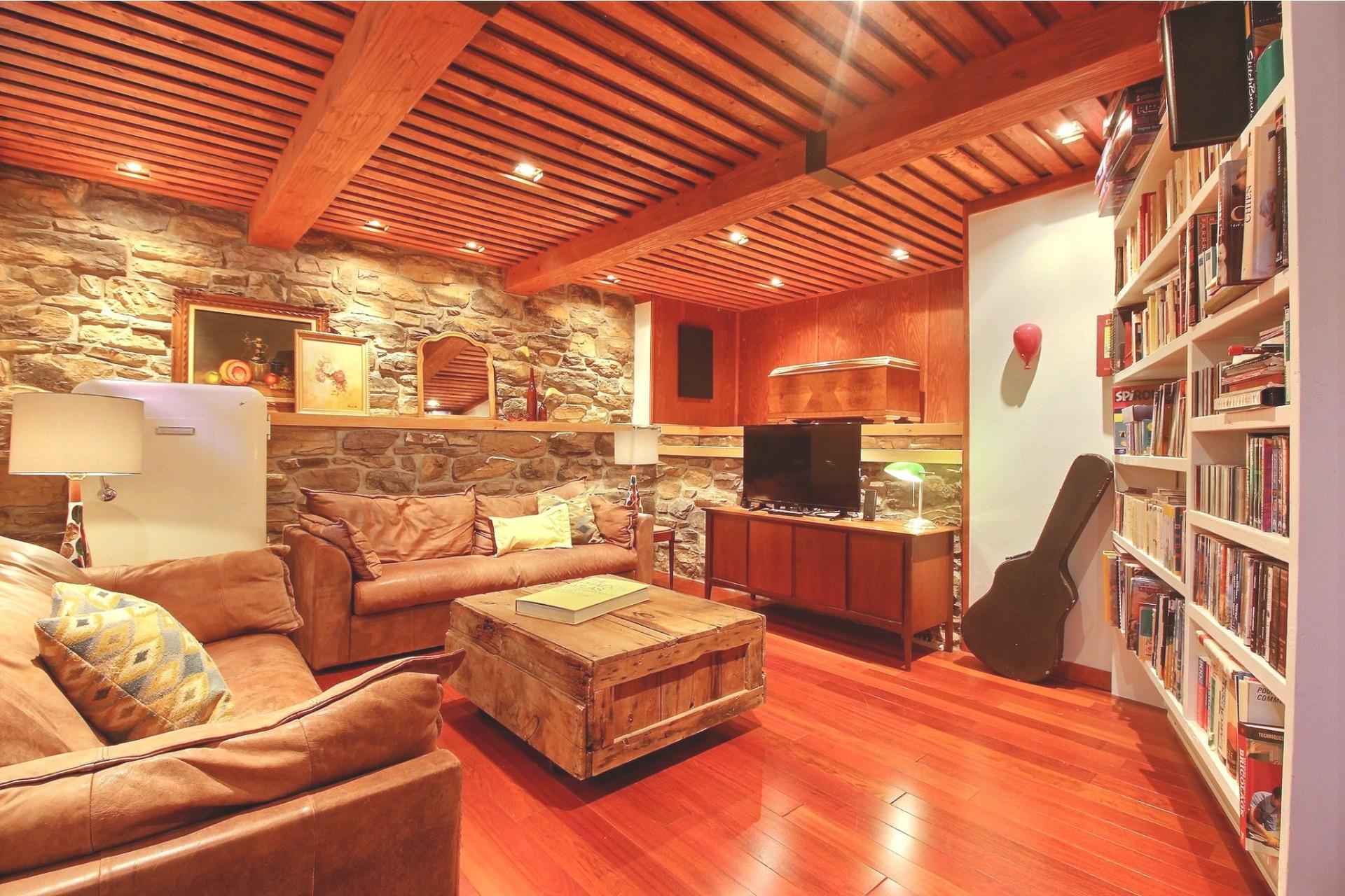 image 20 - House For sale Rivière-des-Prairies/Pointe-aux-Trembles Montréal  - 8 rooms