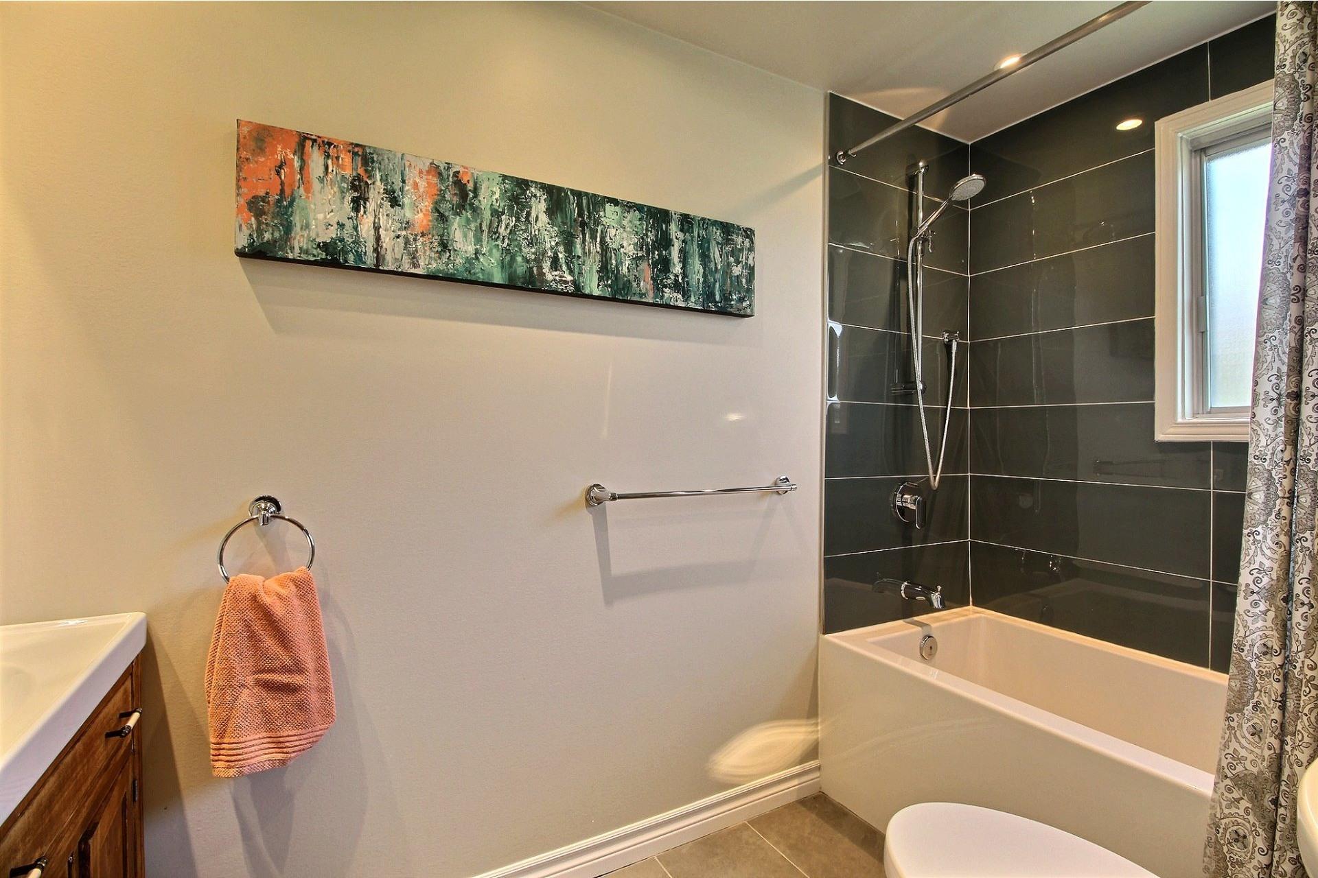 image 11 - House For sale Rivière-des-Prairies/Pointe-aux-Trembles Montréal  - 8 rooms