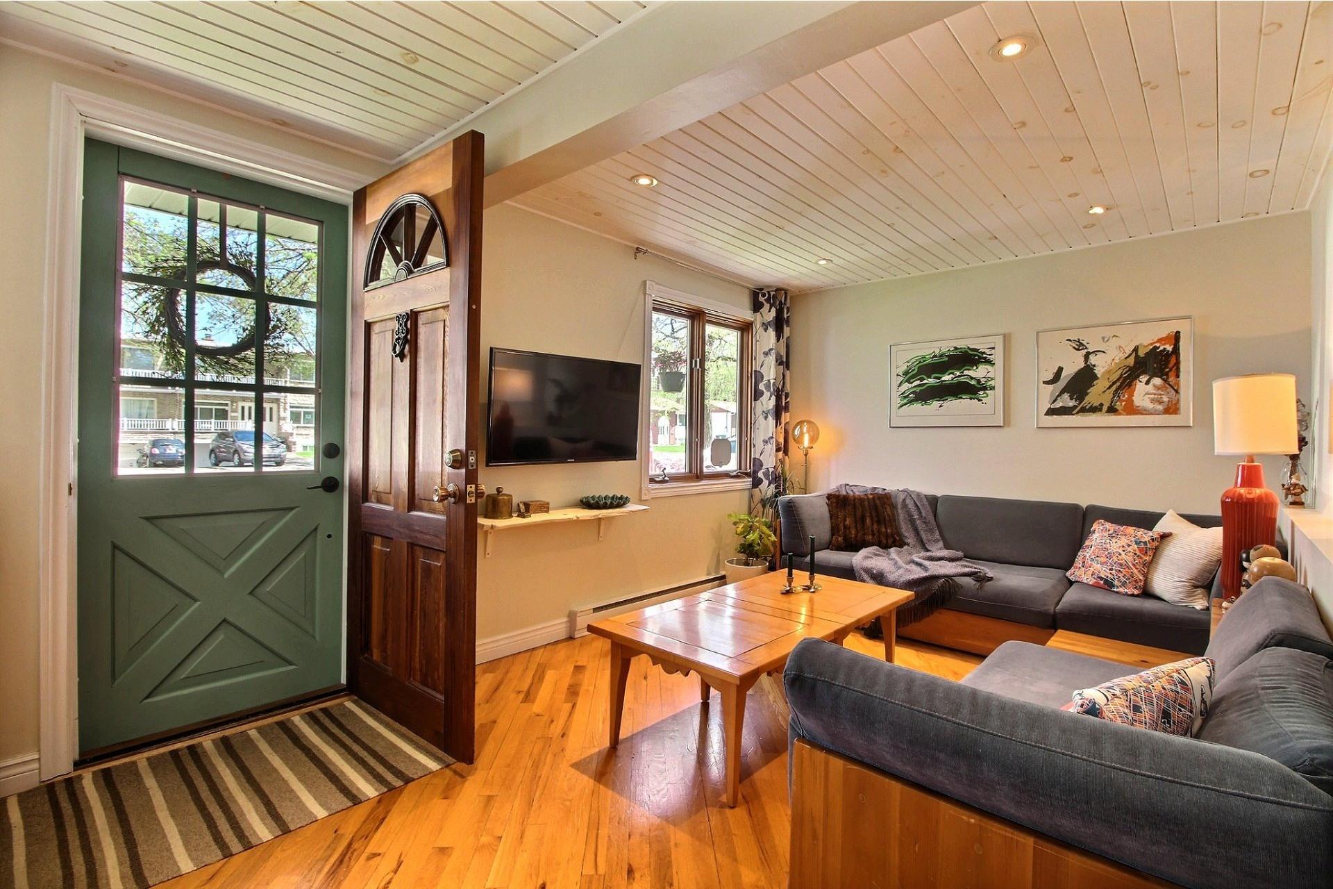 image 2 - House For sale Rivière-des-Prairies/Pointe-aux-Trembles Montréal  - 8 rooms
