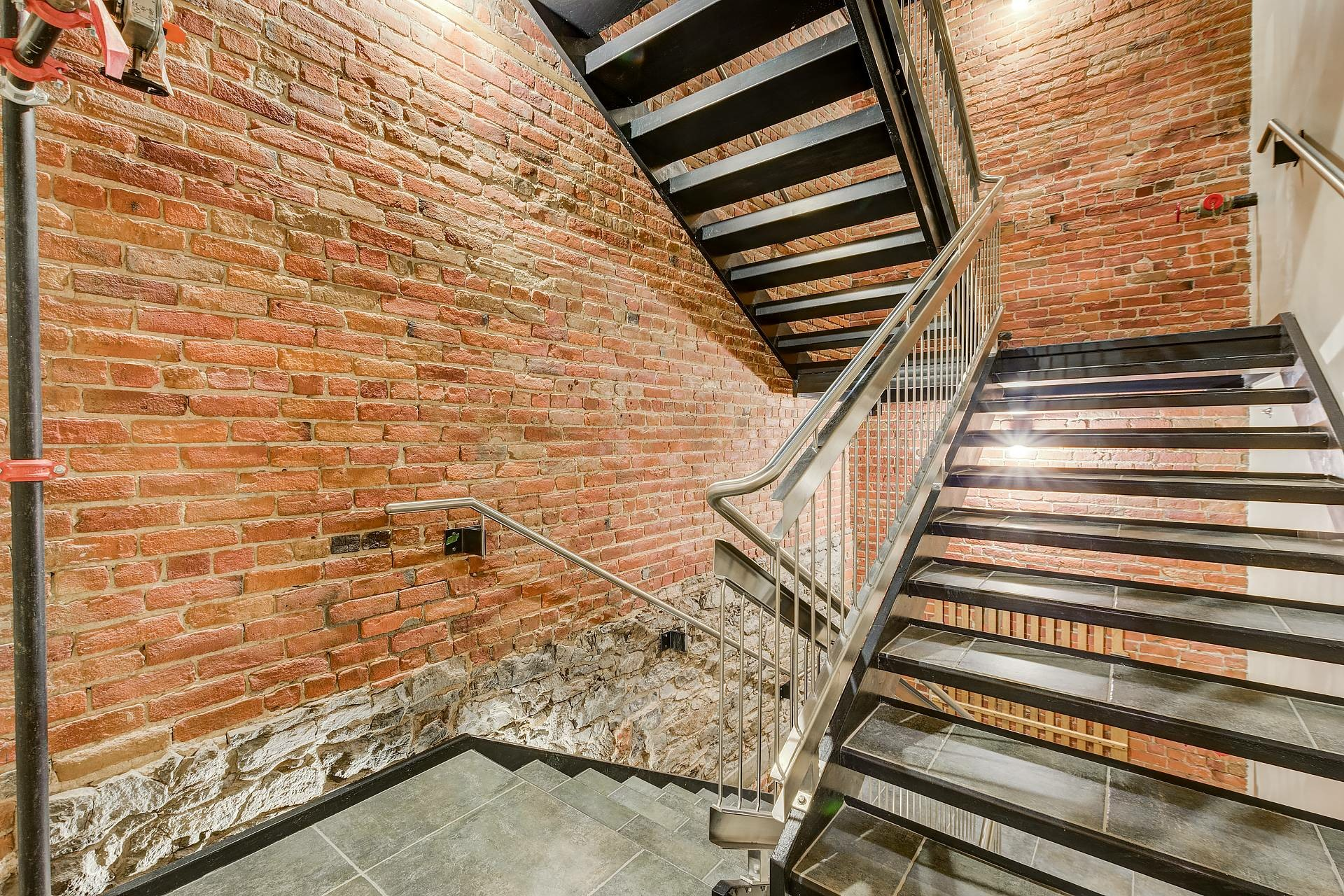 image 14 - Appartement À louer Ville-Marie Montréal  - 3 pièces