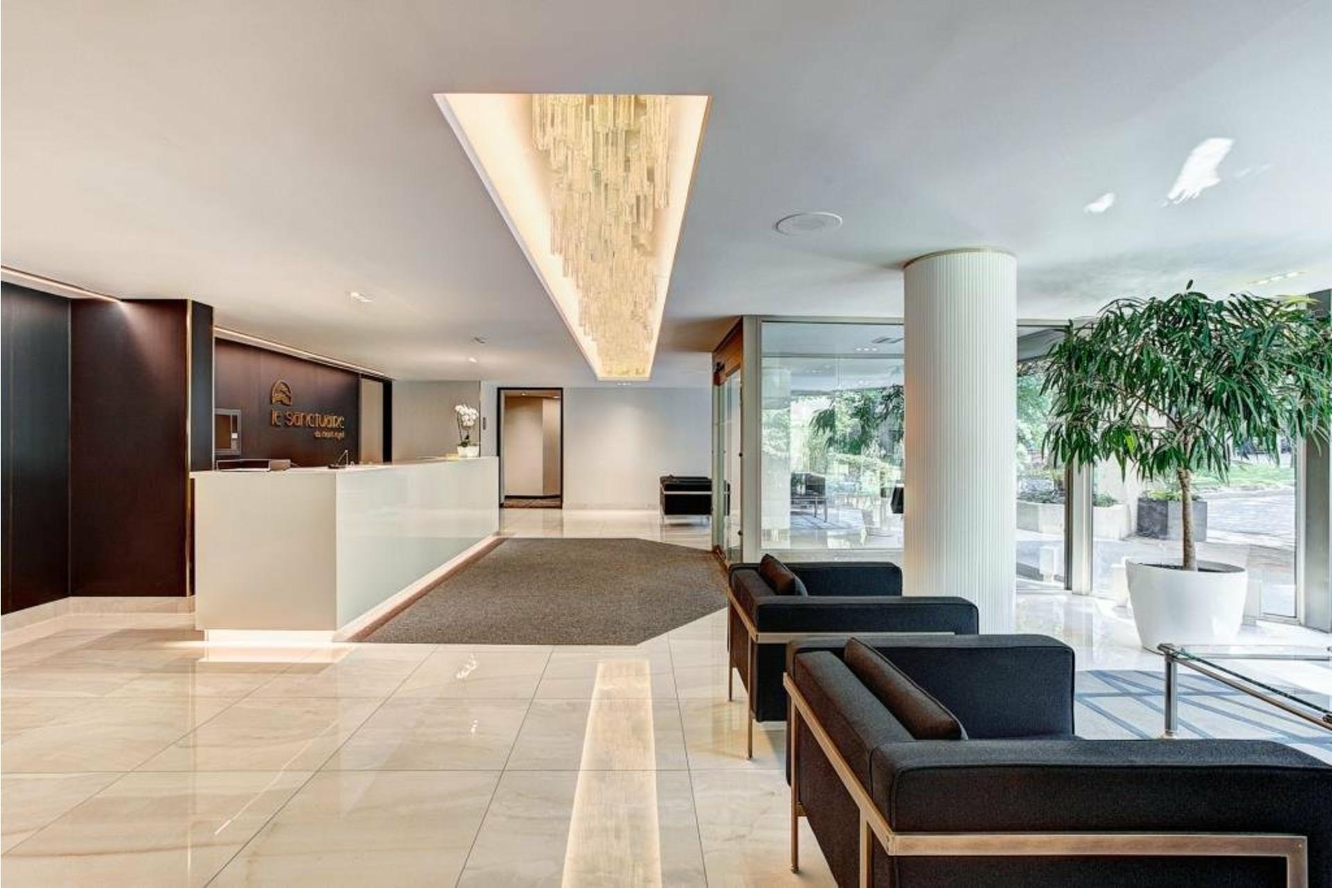 image 3 - Apartment For rent Côte-des-Neiges/Notre-Dame-de-Grâce Montréal  - 5 rooms