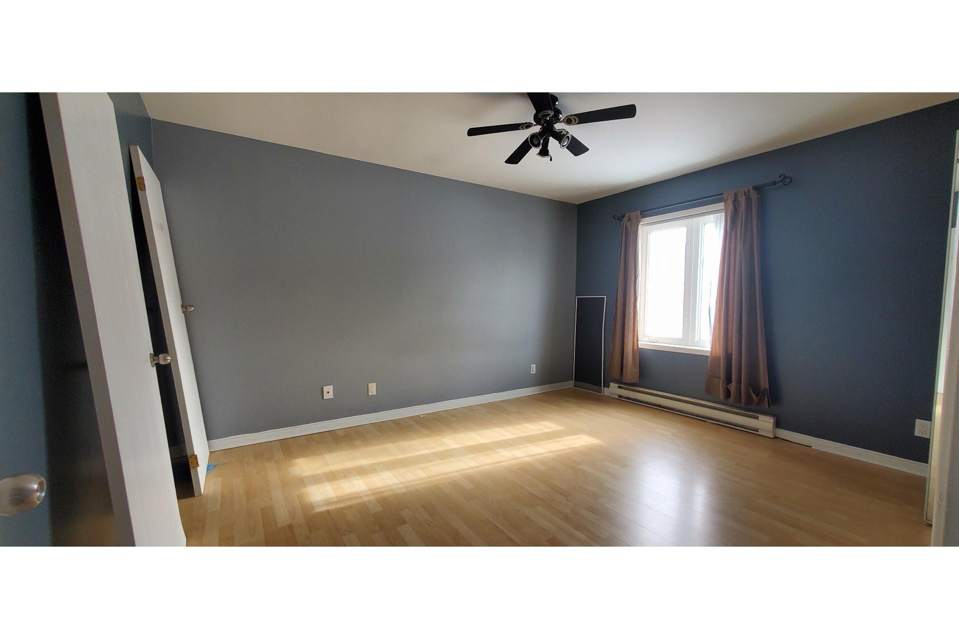 image 3 - House For sale Trois-Rivières - 7 rooms
