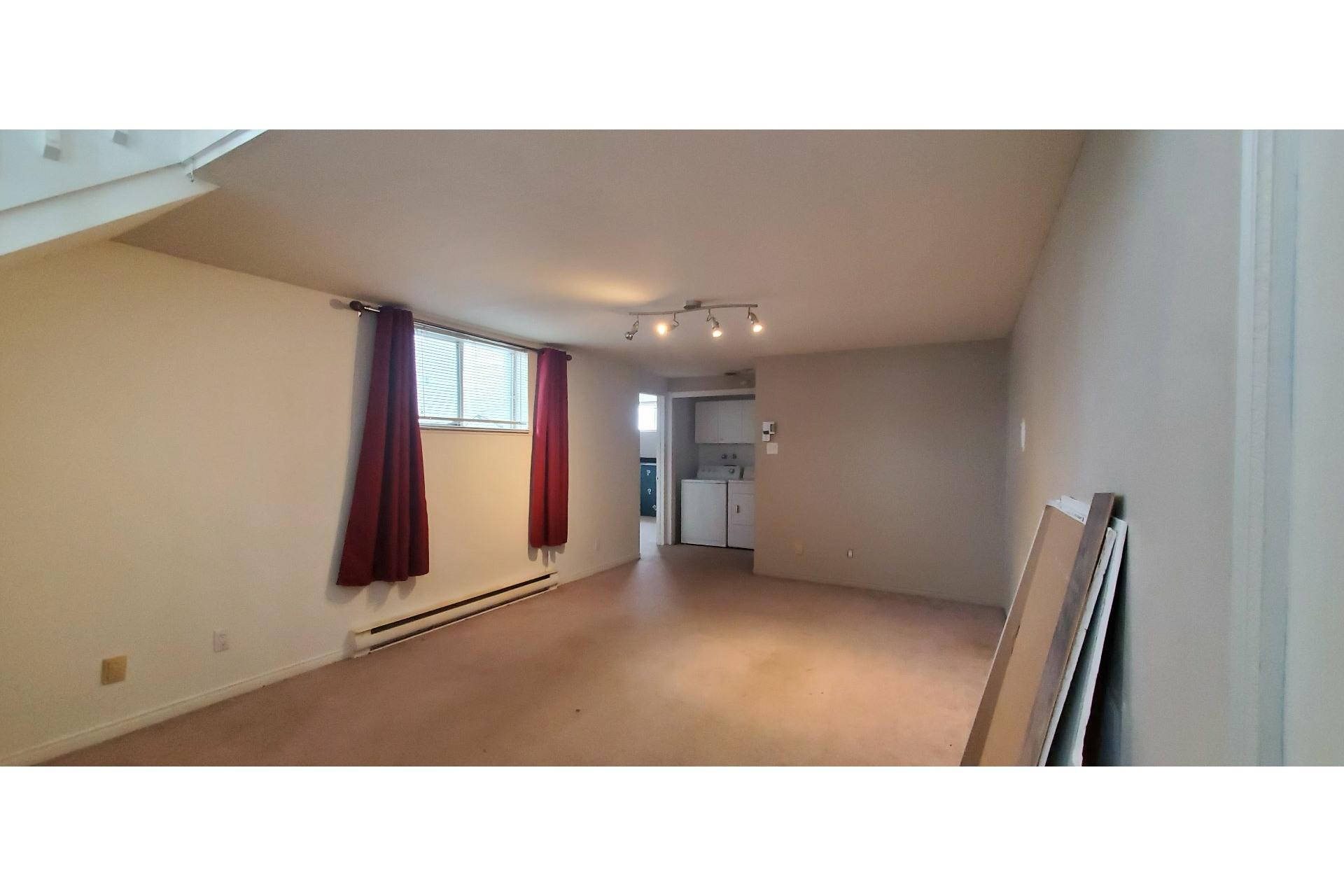 image 6 - House For sale Trois-Rivières - 7 rooms