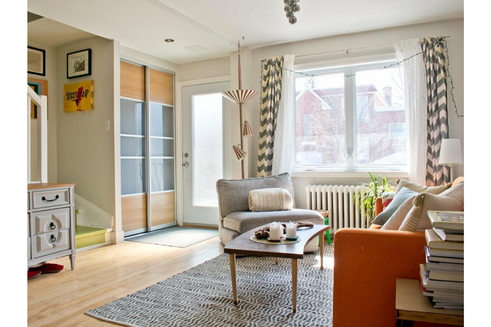 image 2 - Maison À vendre Villeray/Saint-Michel/Parc-Extension Montréal  - 9 pièces