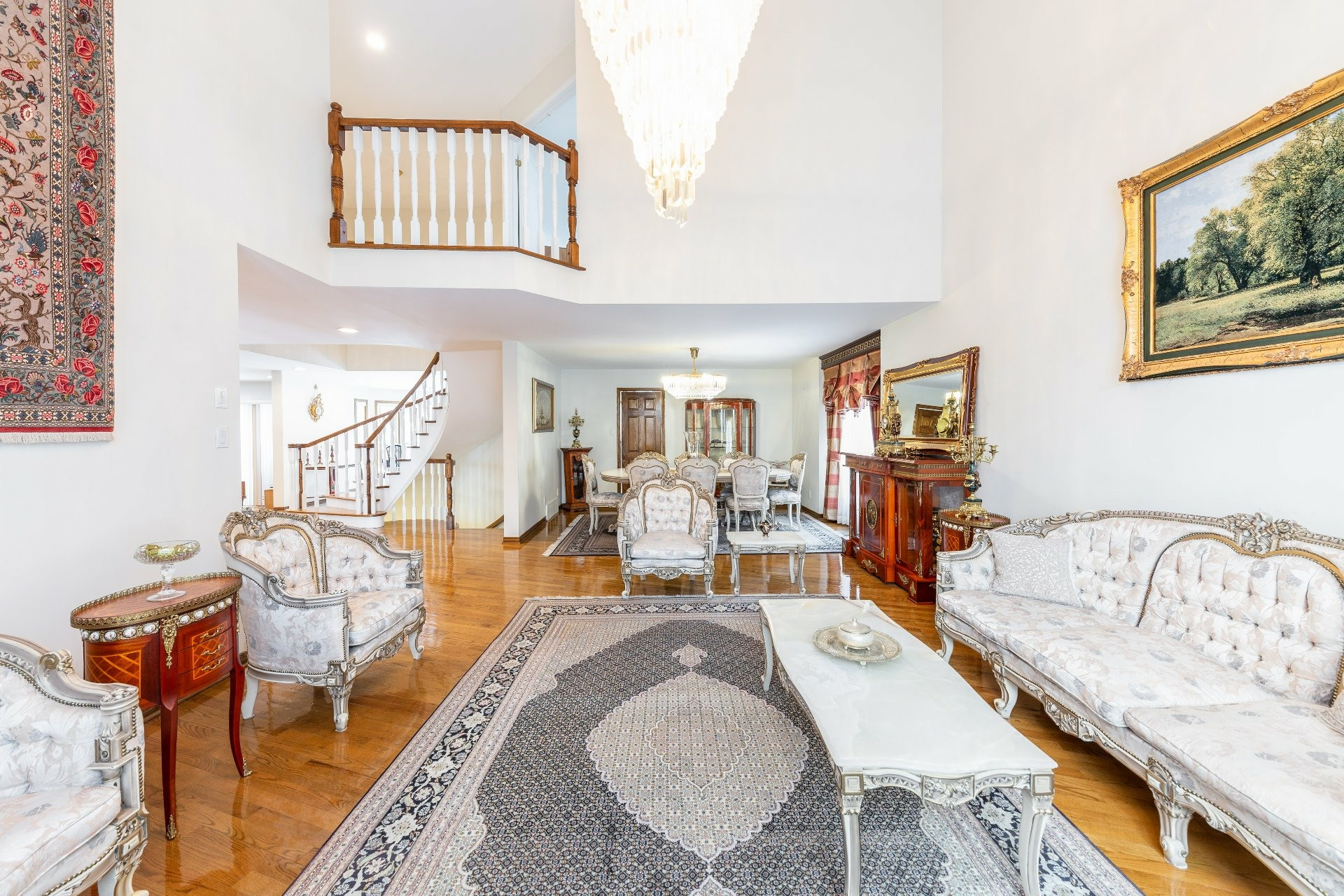 image 2 - House For sale Beaconsfield - 15 rooms
