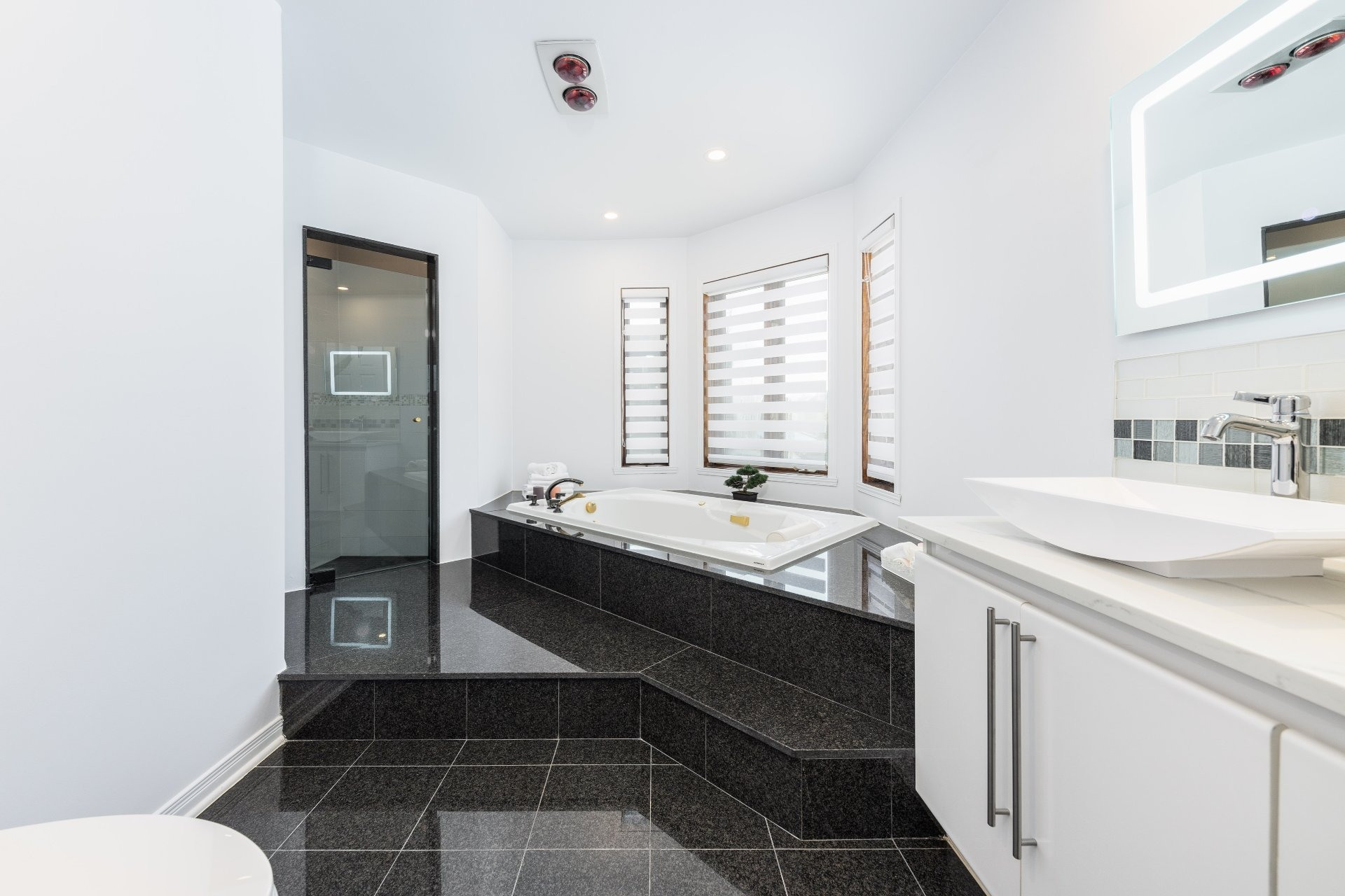 image 16 - House For sale Beaconsfield - 15 rooms