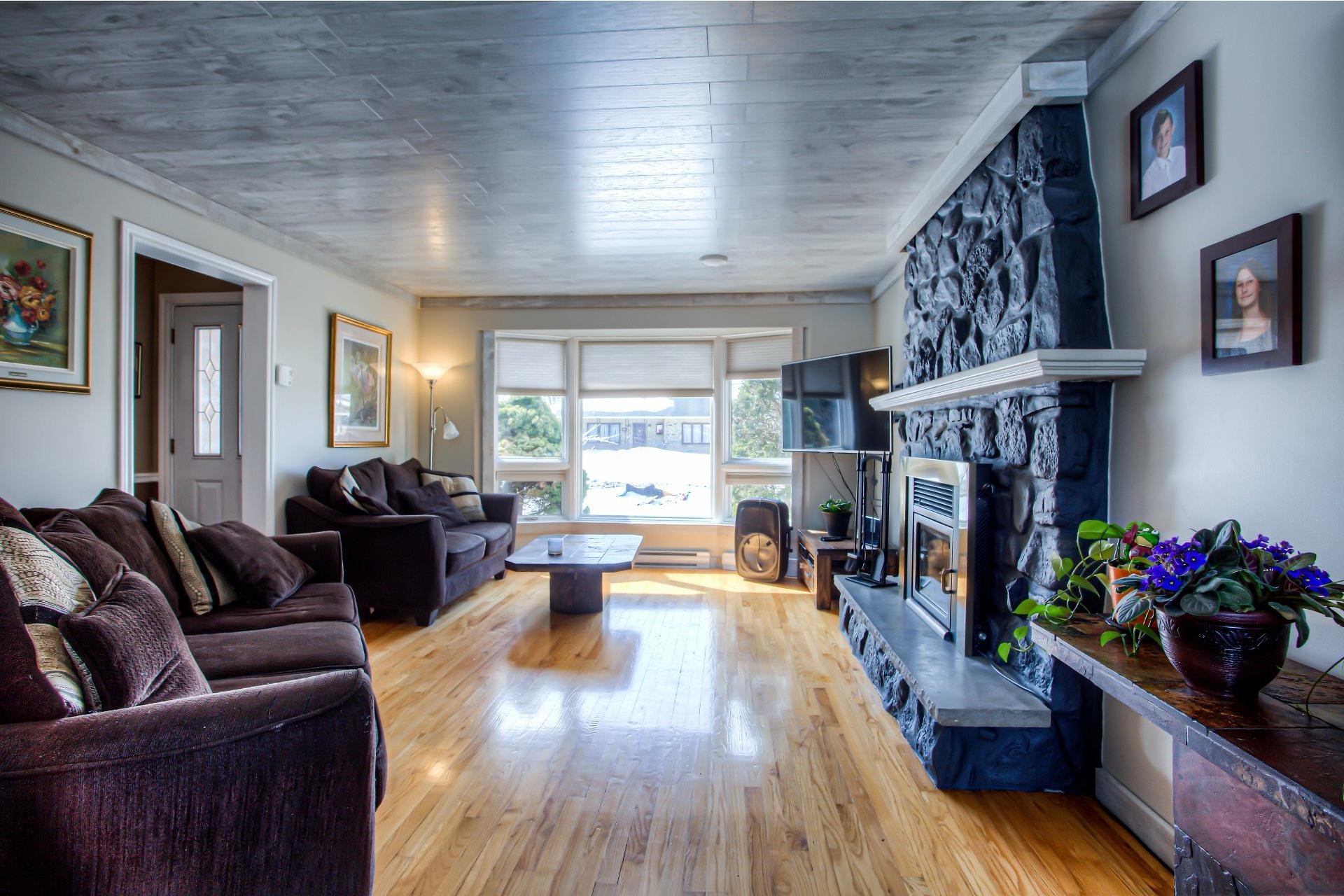 image 2 - House For sale Vaudreuil-sur-le-Lac - 13 rooms