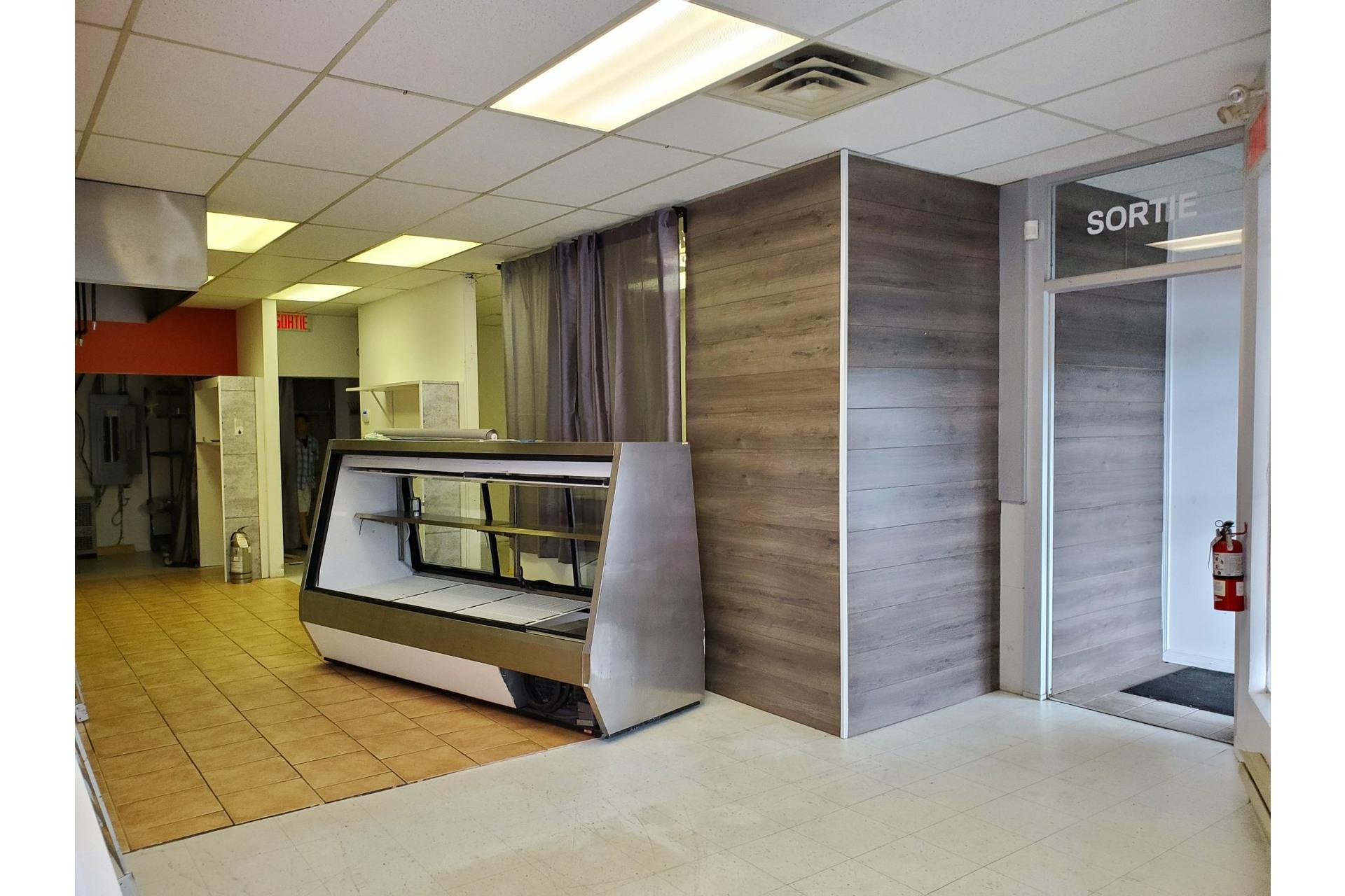 image 4 - Office For rent Sainte-Adèle