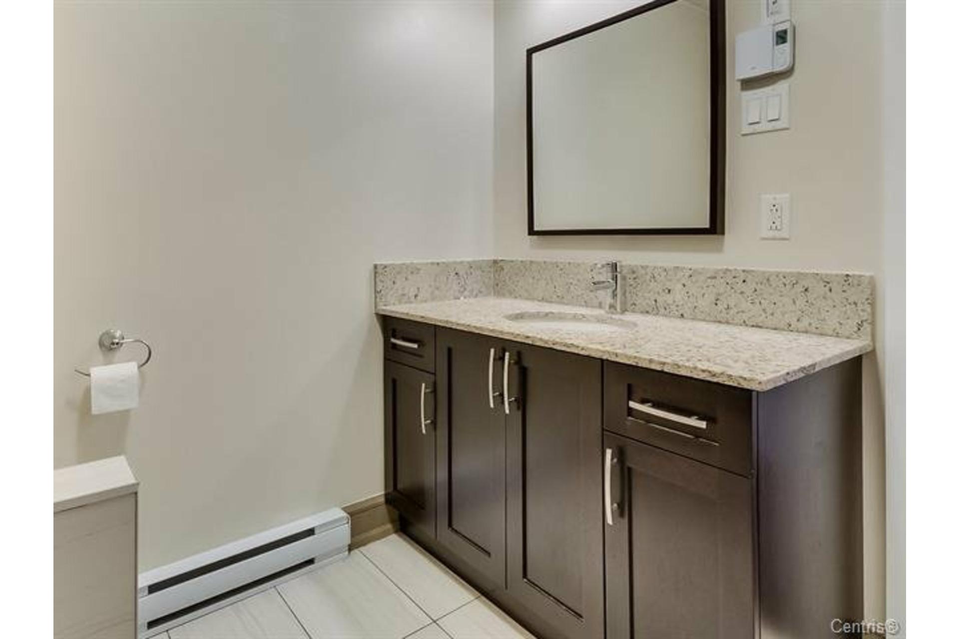 image 8 - Appartement À vendre LaSalle Montréal  - 6 pièces