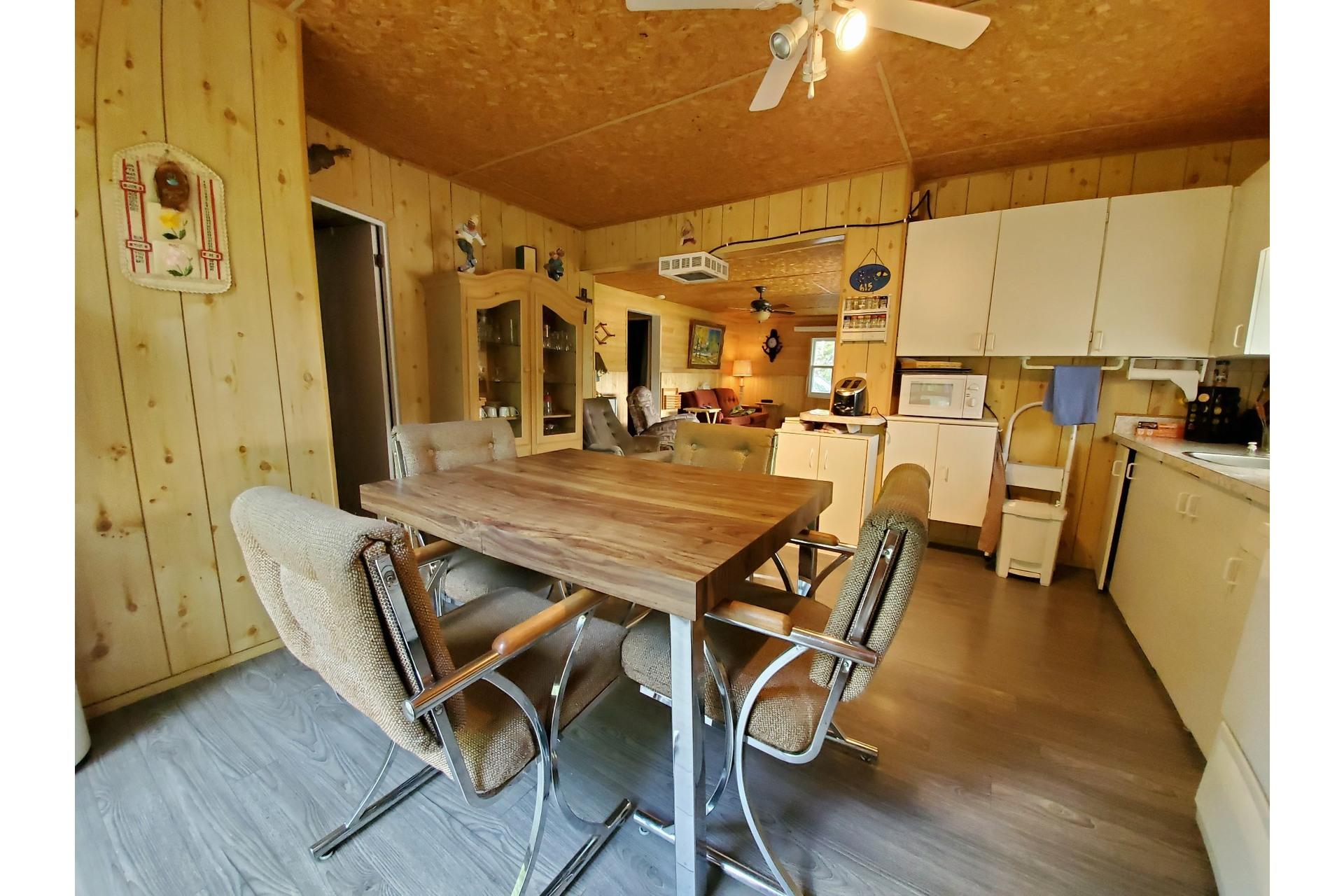 image 10 - House For sale Saint-Tite - 4 rooms