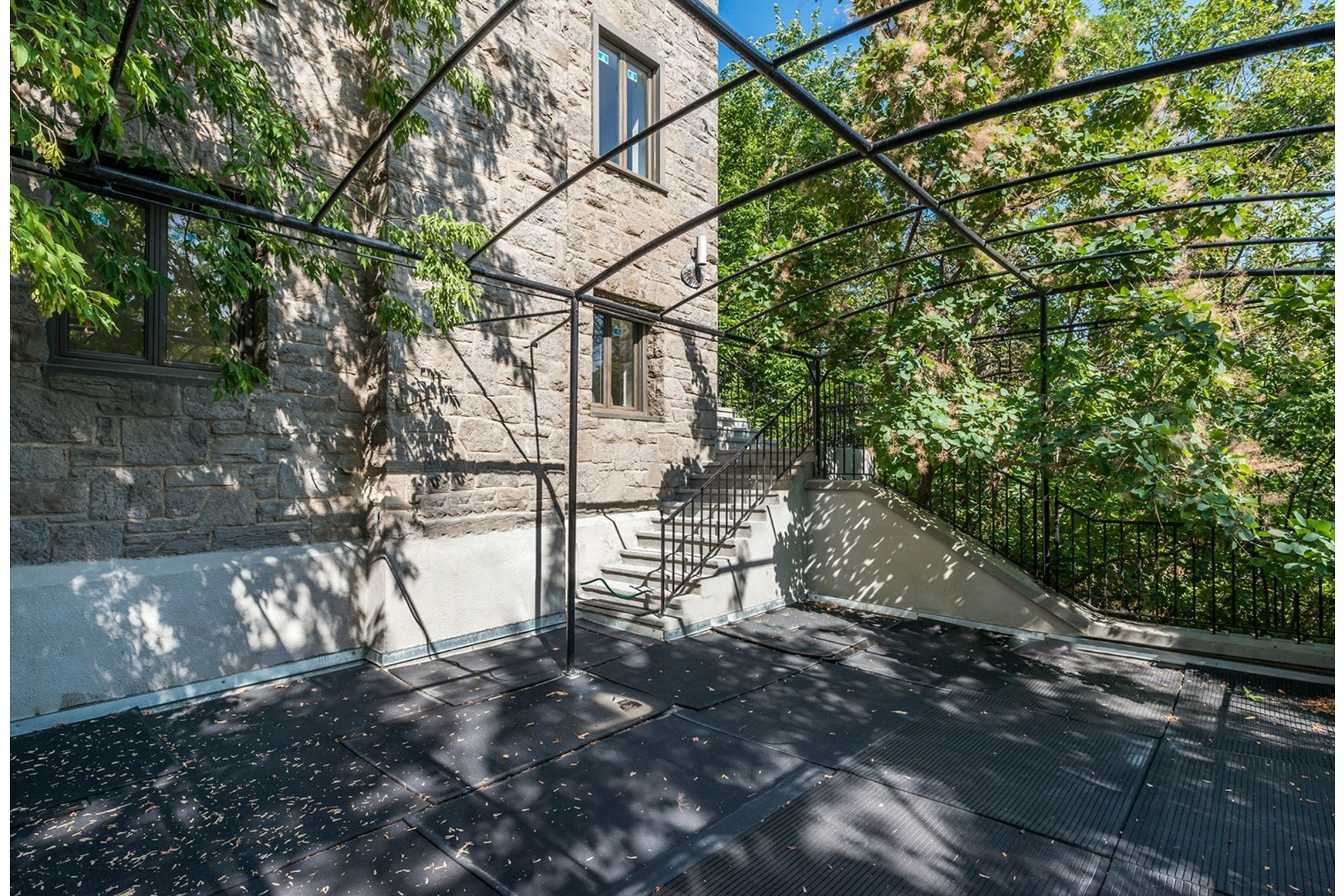 image 17 - House For sale Westmount - 16 rooms