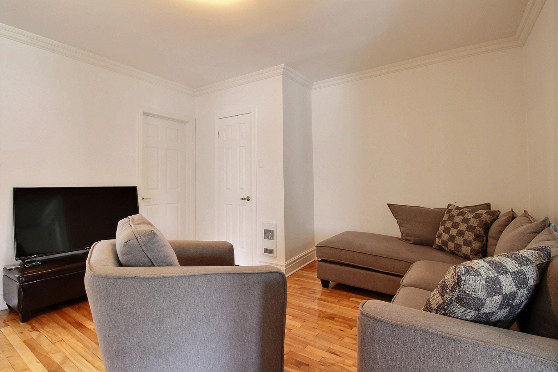 image 4 - Duplex For sale Mercier/Hochelaga-Maisonneuve Montréal  - 5 rooms