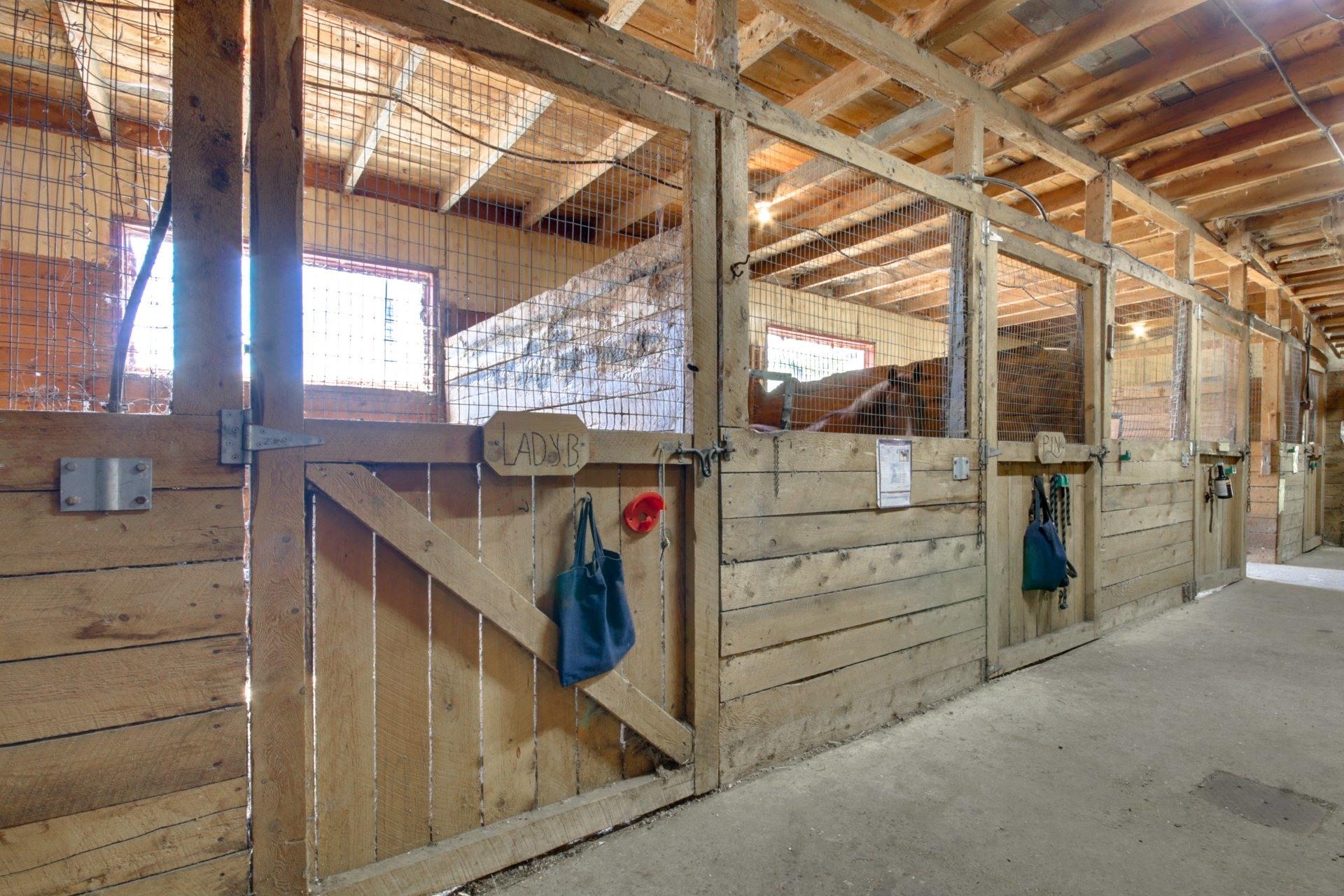 image 7 - Farmhouse For sale Saint-Étienne-des-Grès - 6 rooms