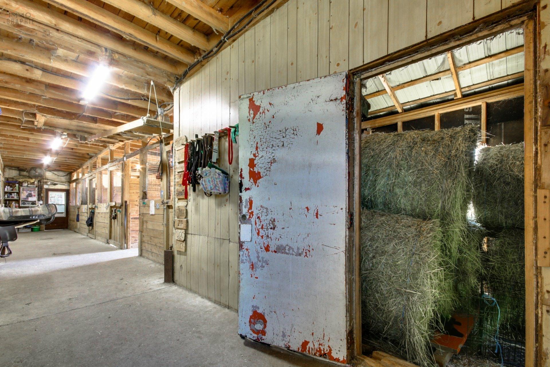 image 9 - Farmhouse For sale Saint-Étienne-des-Grès - 6 rooms