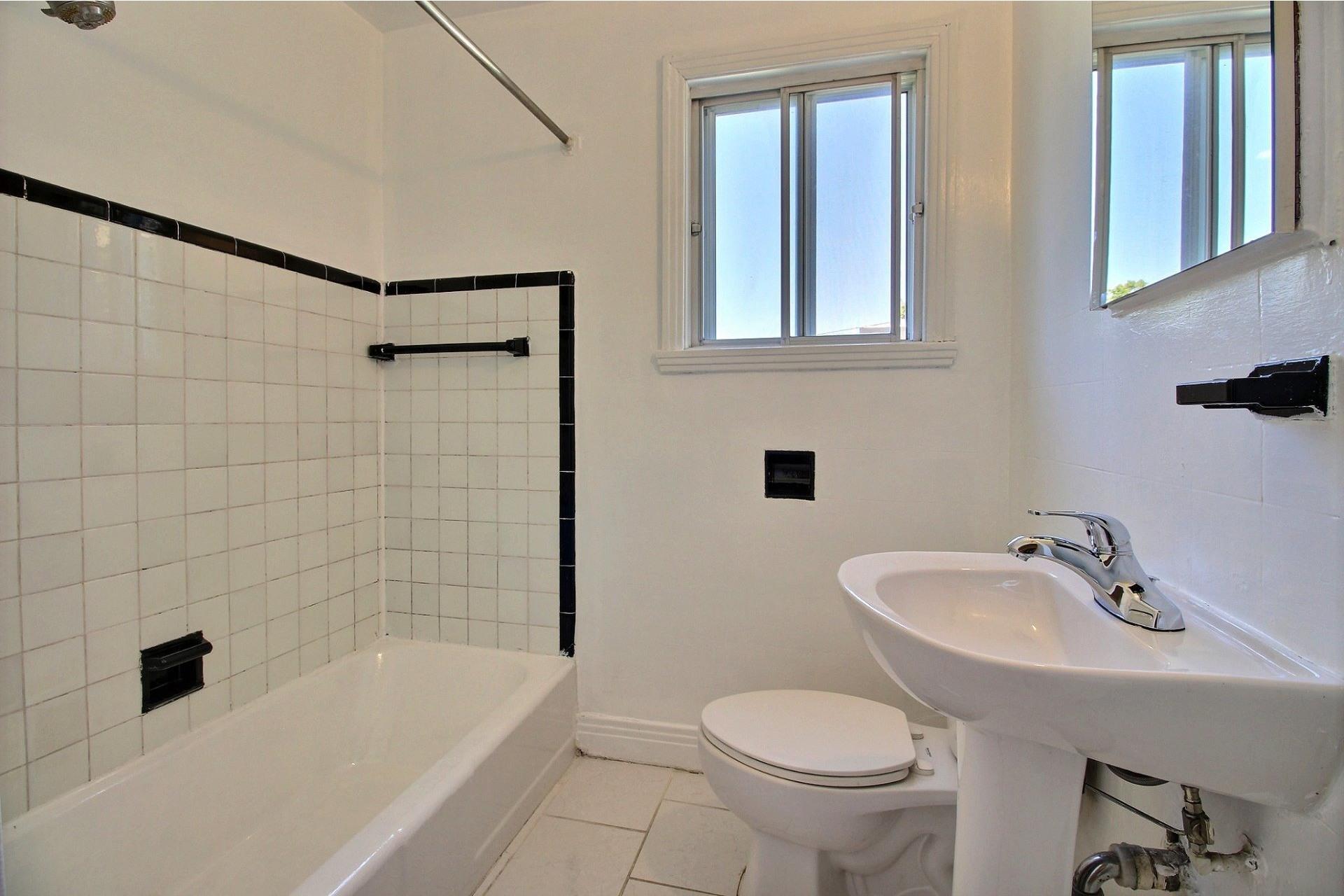 image 7 - Apartment For rent Rosemont/La Petite-Patrie Montréal  - 5 rooms