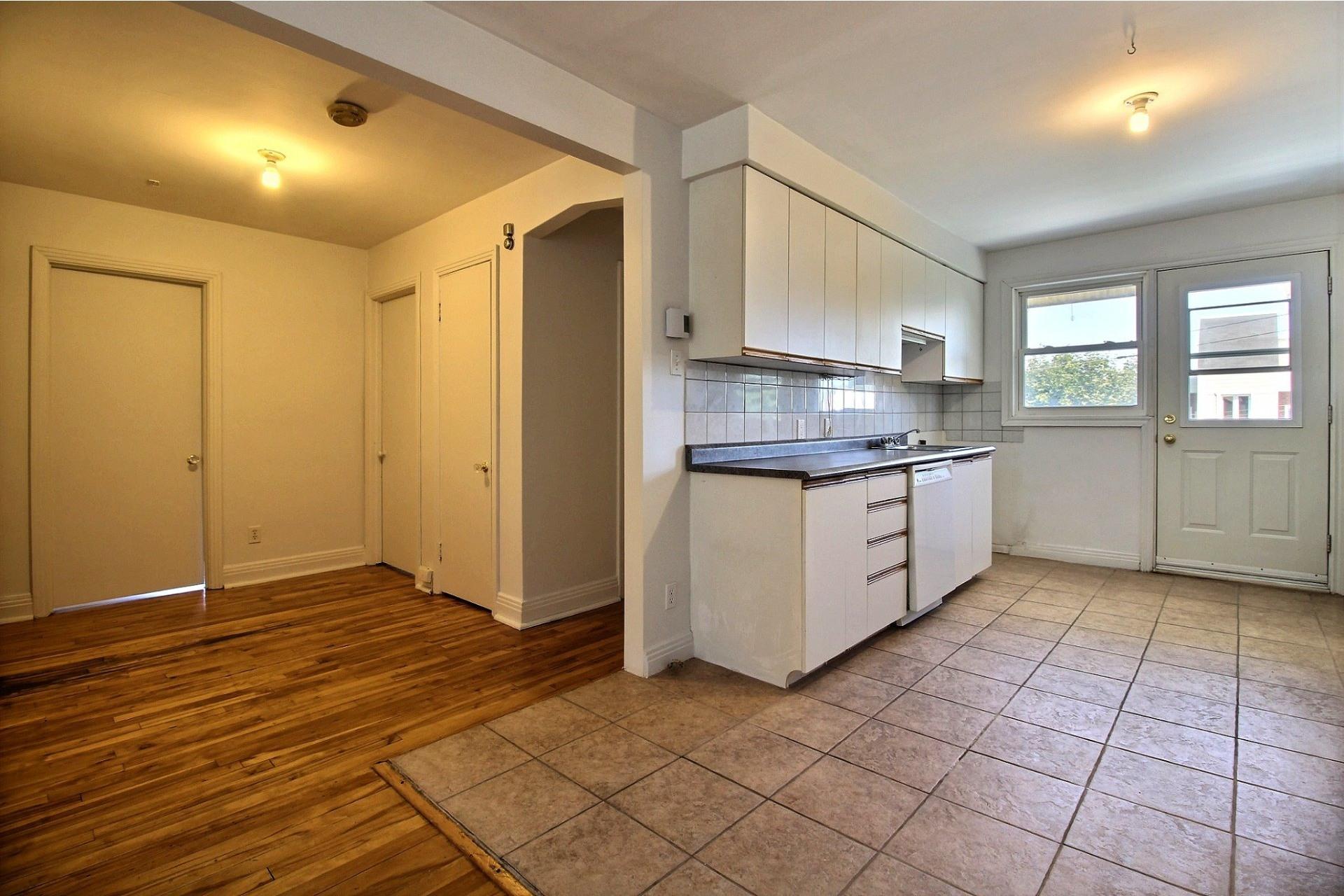 image 6 - Apartment For rent Rosemont/La Petite-Patrie Montréal  - 5 rooms