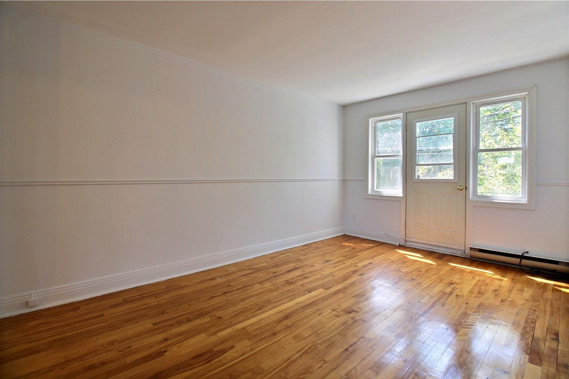 image 1 - Apartment For rent Rosemont/La Petite-Patrie Montréal  - 5 rooms