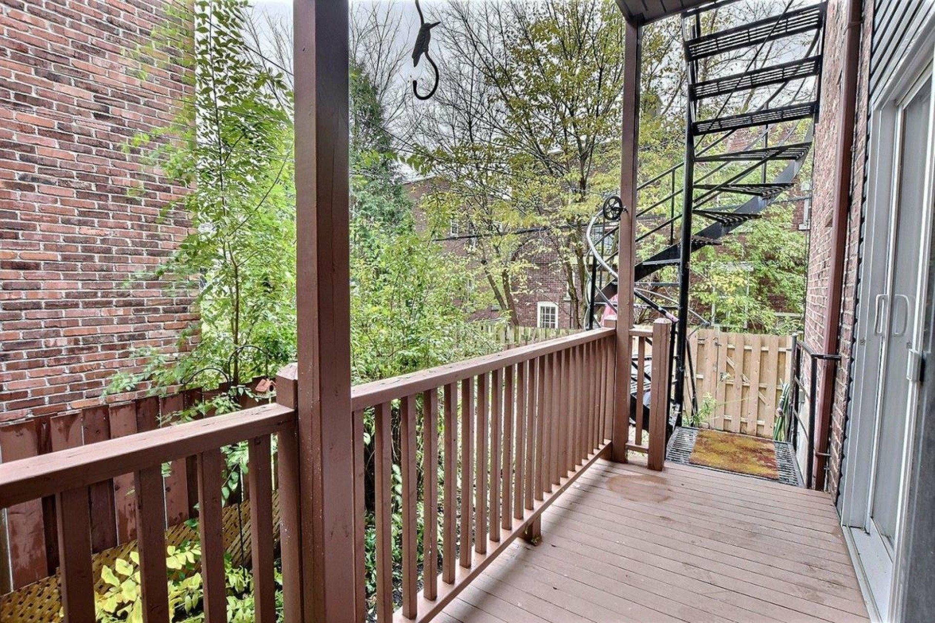 image 15 - Apartment For rent Côte-des-Neiges/Notre-Dame-de-Grâce Montréal  - 6 rooms