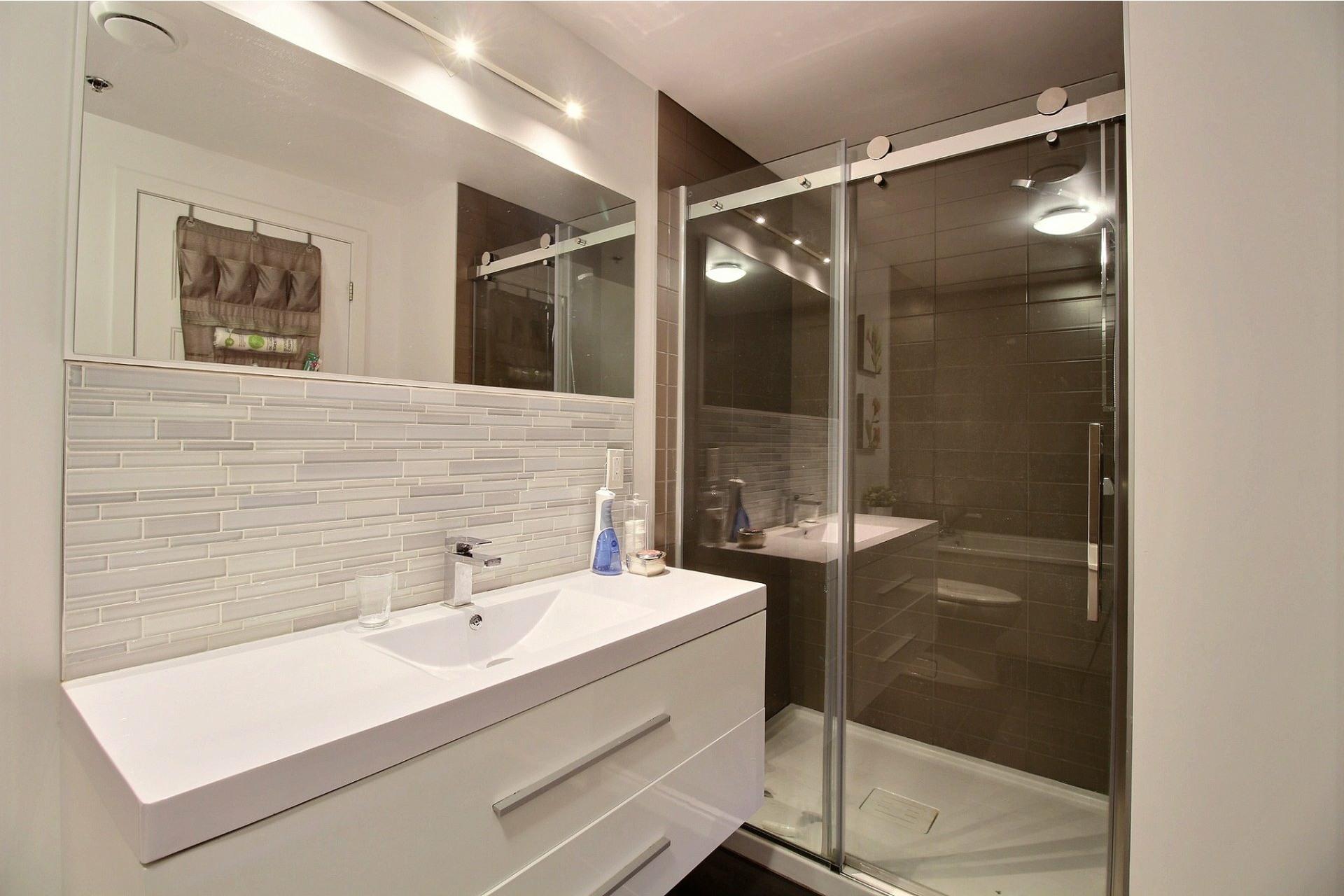 image 17 - Apartment For rent Le Sud-Ouest Montréal  - 6 rooms