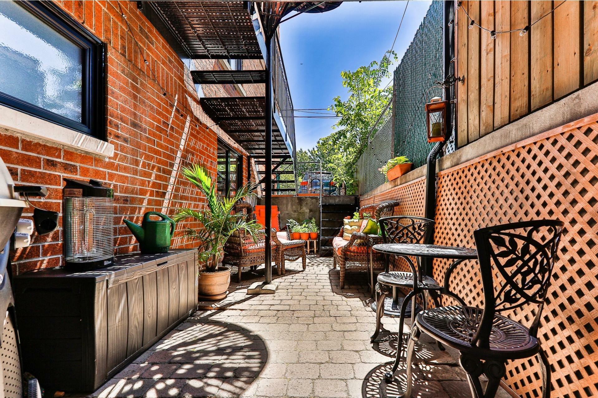 image 16 - Apartment For sale Villeray/Saint-Michel/Parc-Extension Montréal  - 6 rooms