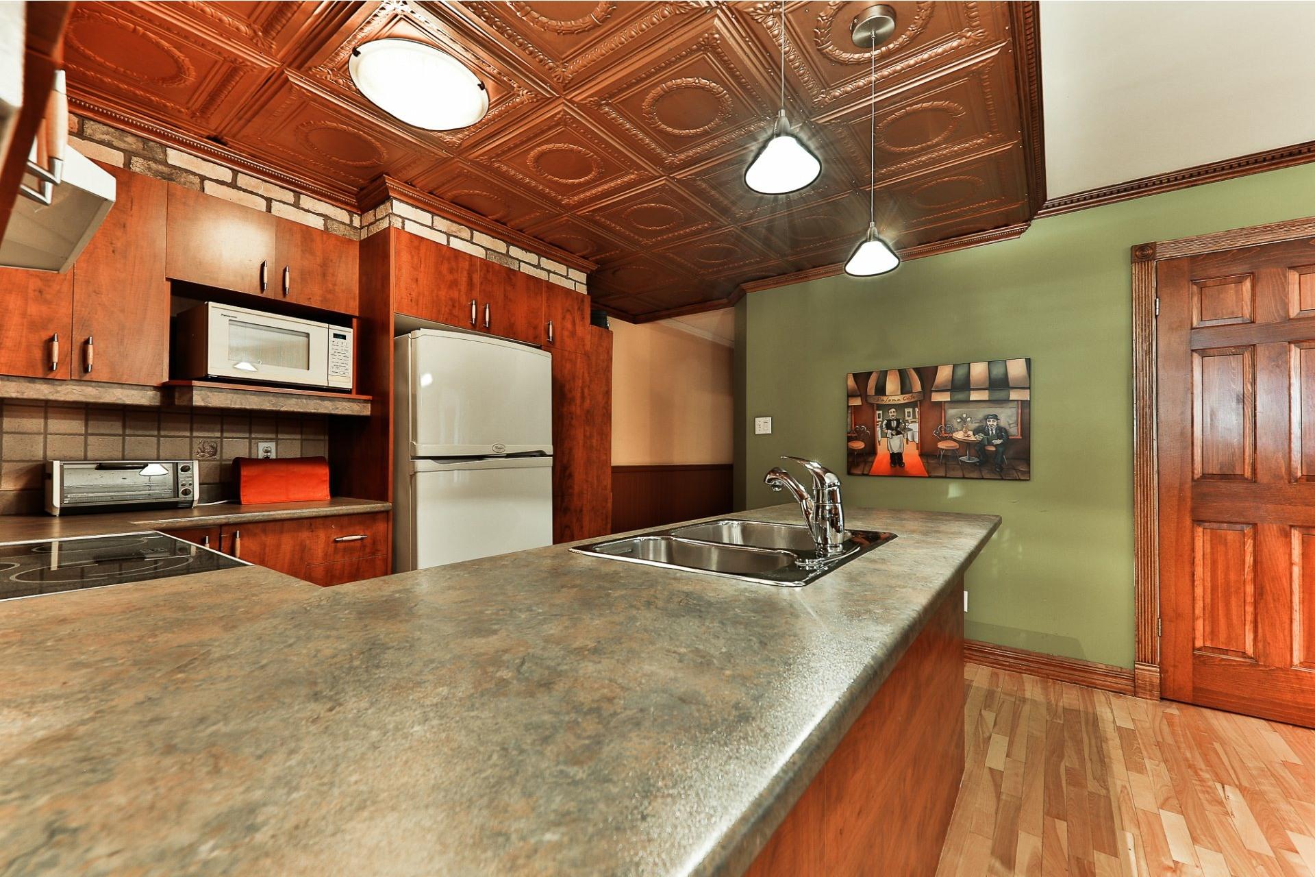 image 15 - Apartment For sale Villeray/Saint-Michel/Parc-Extension Montréal  - 6 rooms