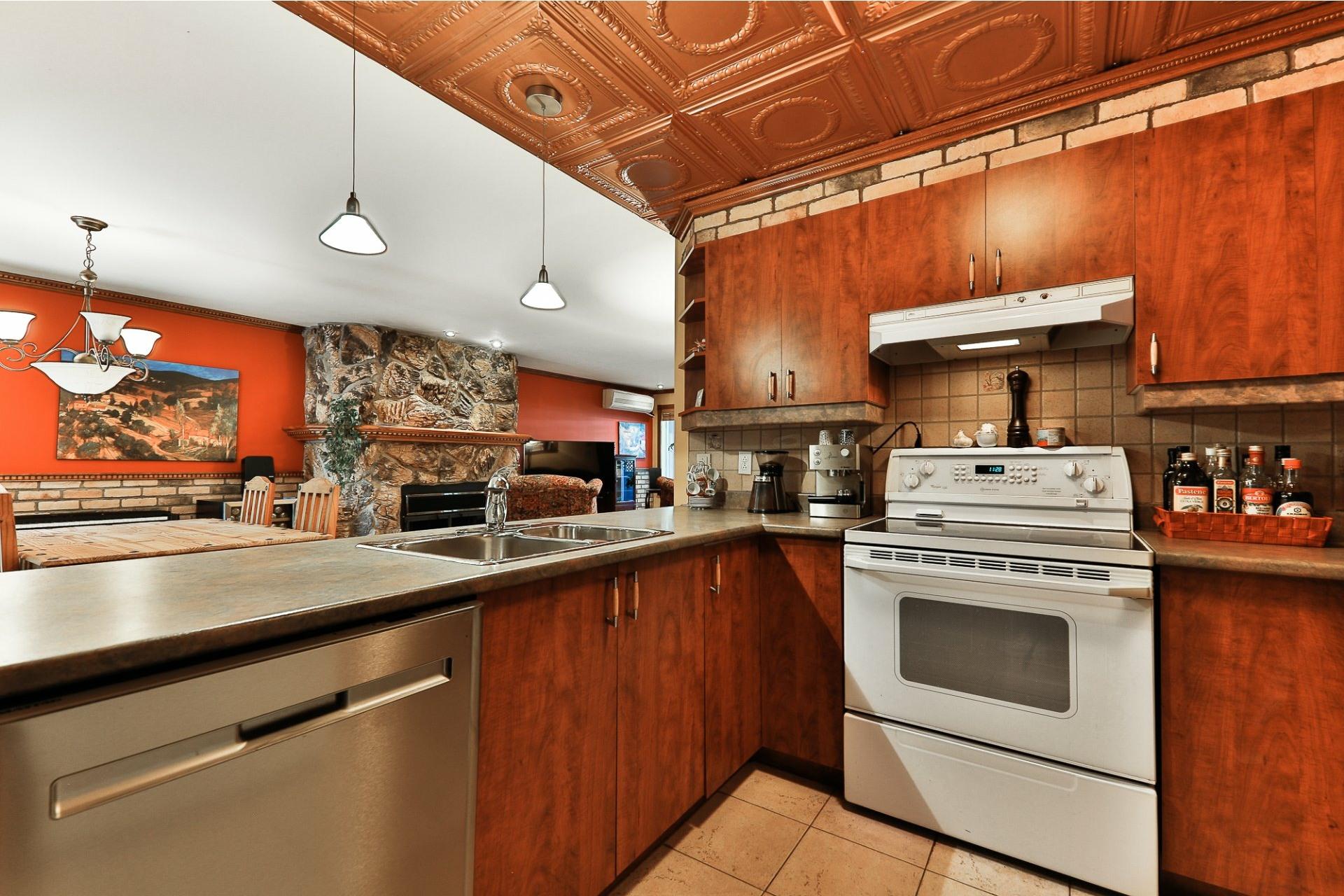 image 14 - Apartment For sale Villeray/Saint-Michel/Parc-Extension Montréal  - 6 rooms