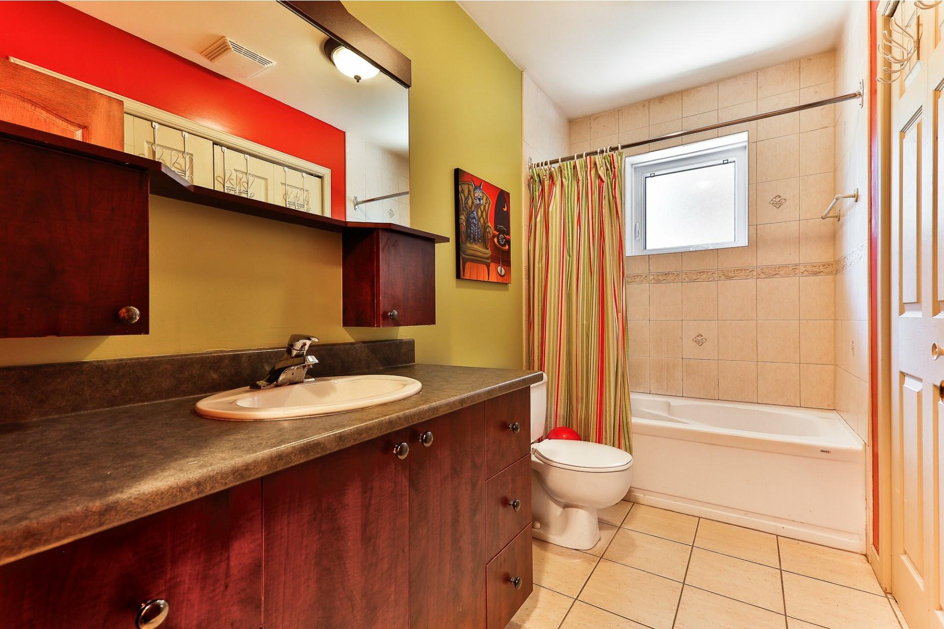 image 13 - Apartment For sale Villeray/Saint-Michel/Parc-Extension Montréal  - 6 rooms