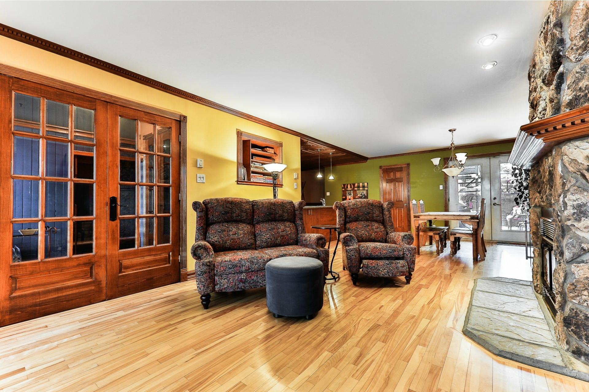 image 3 - Apartment For sale Villeray/Saint-Michel/Parc-Extension Montréal  - 6 rooms
