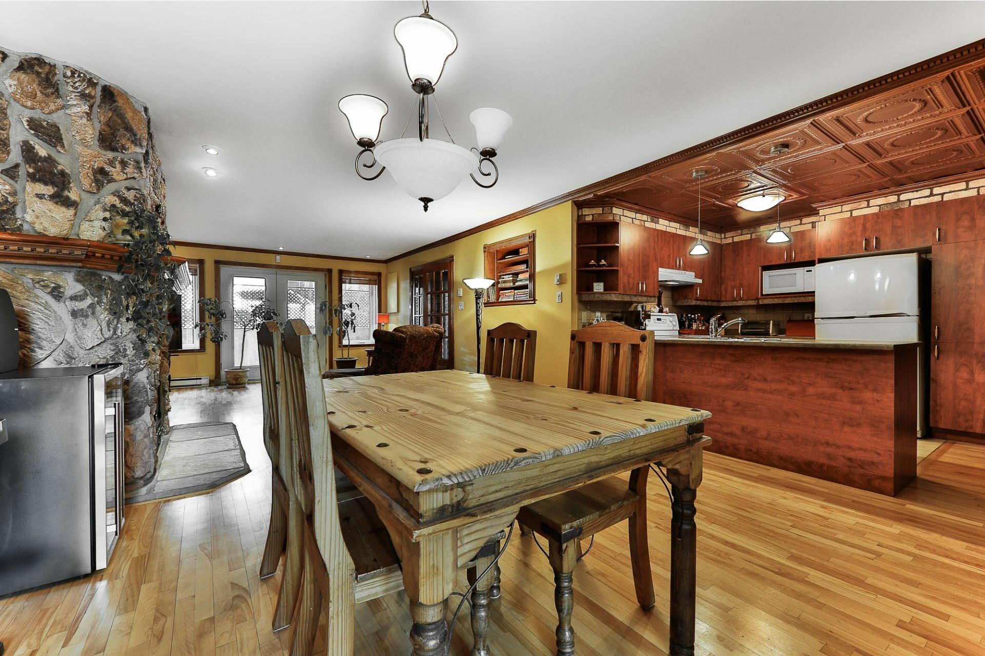 image 4 - Apartment For sale Villeray/Saint-Michel/Parc-Extension Montréal  - 6 rooms