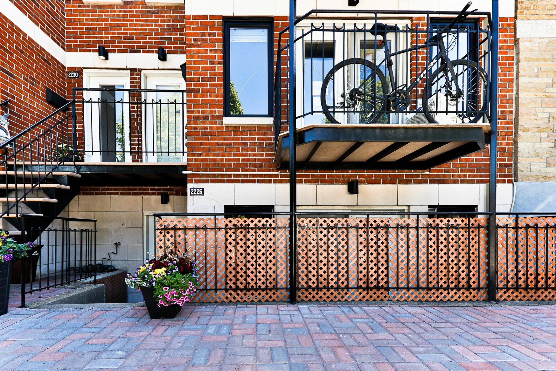 image 1 - Apartment For sale Villeray/Saint-Michel/Parc-Extension Montréal  - 6 rooms