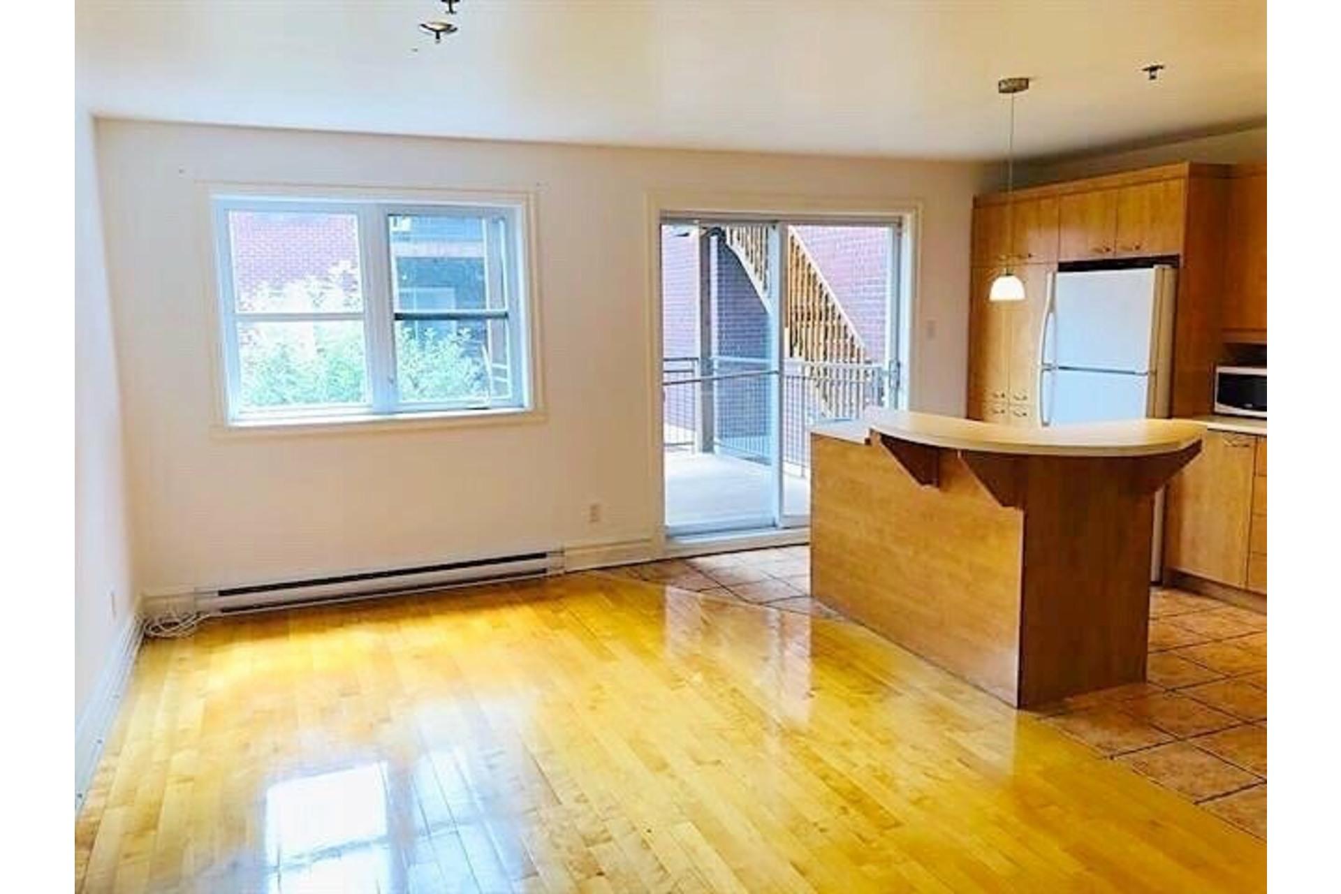 image 5 - Apartment For rent Ville-Marie Montréal  - 9 rooms