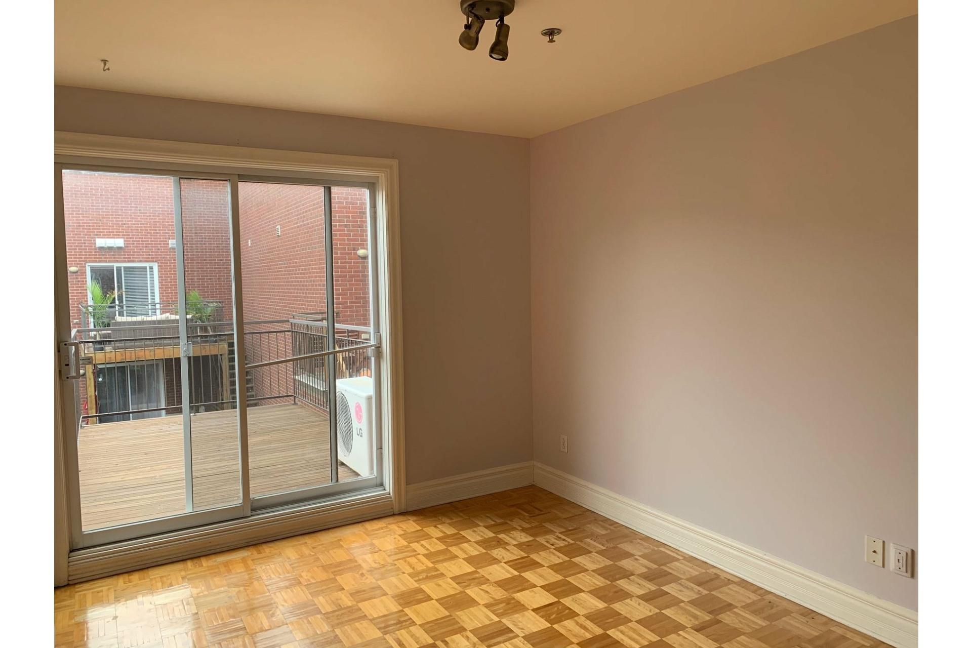 image 11 - Apartment For rent Ville-Marie Montréal  - 9 rooms