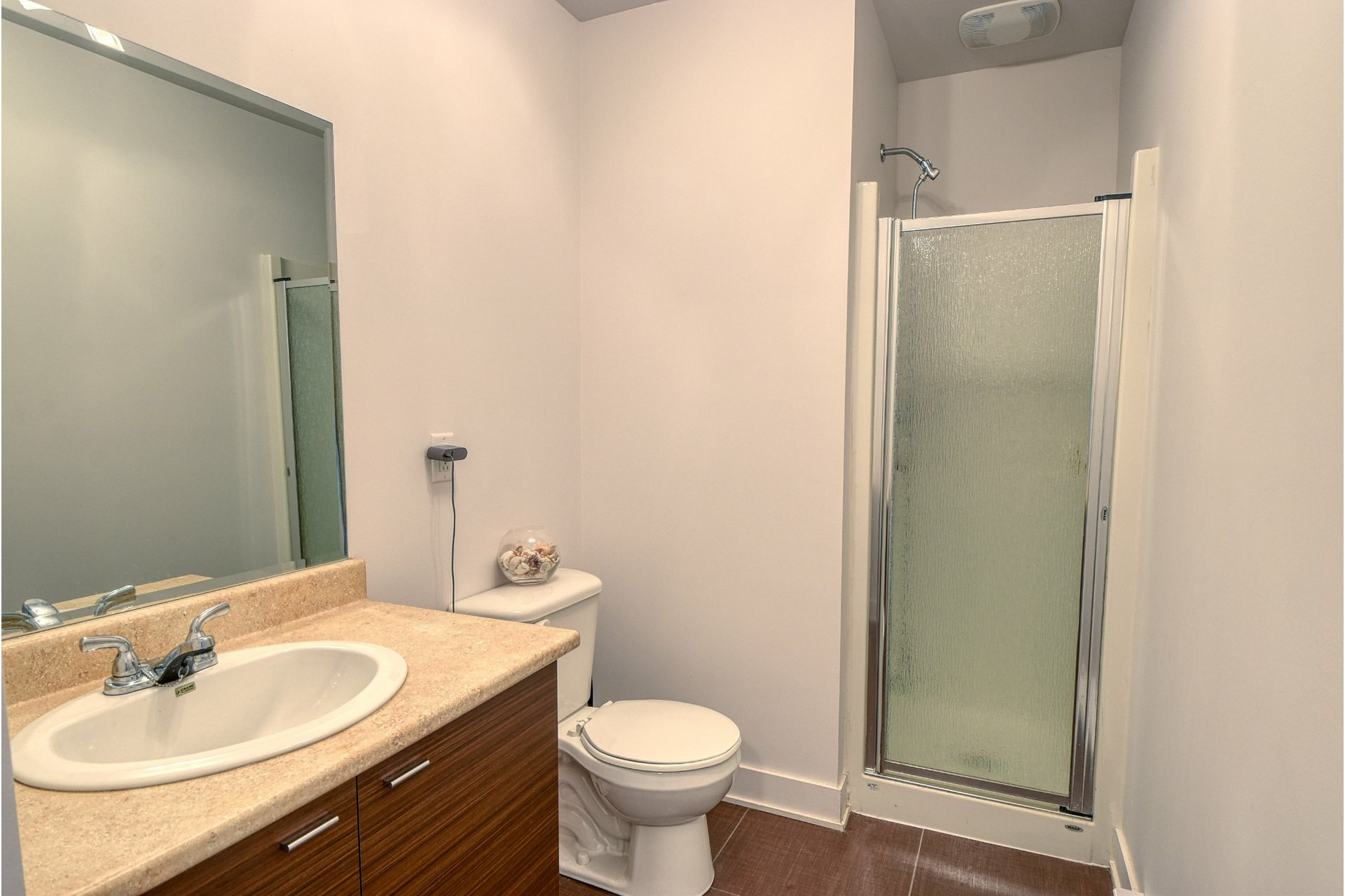 image 18 - House For sale Fabreville Laval  - 11 rooms