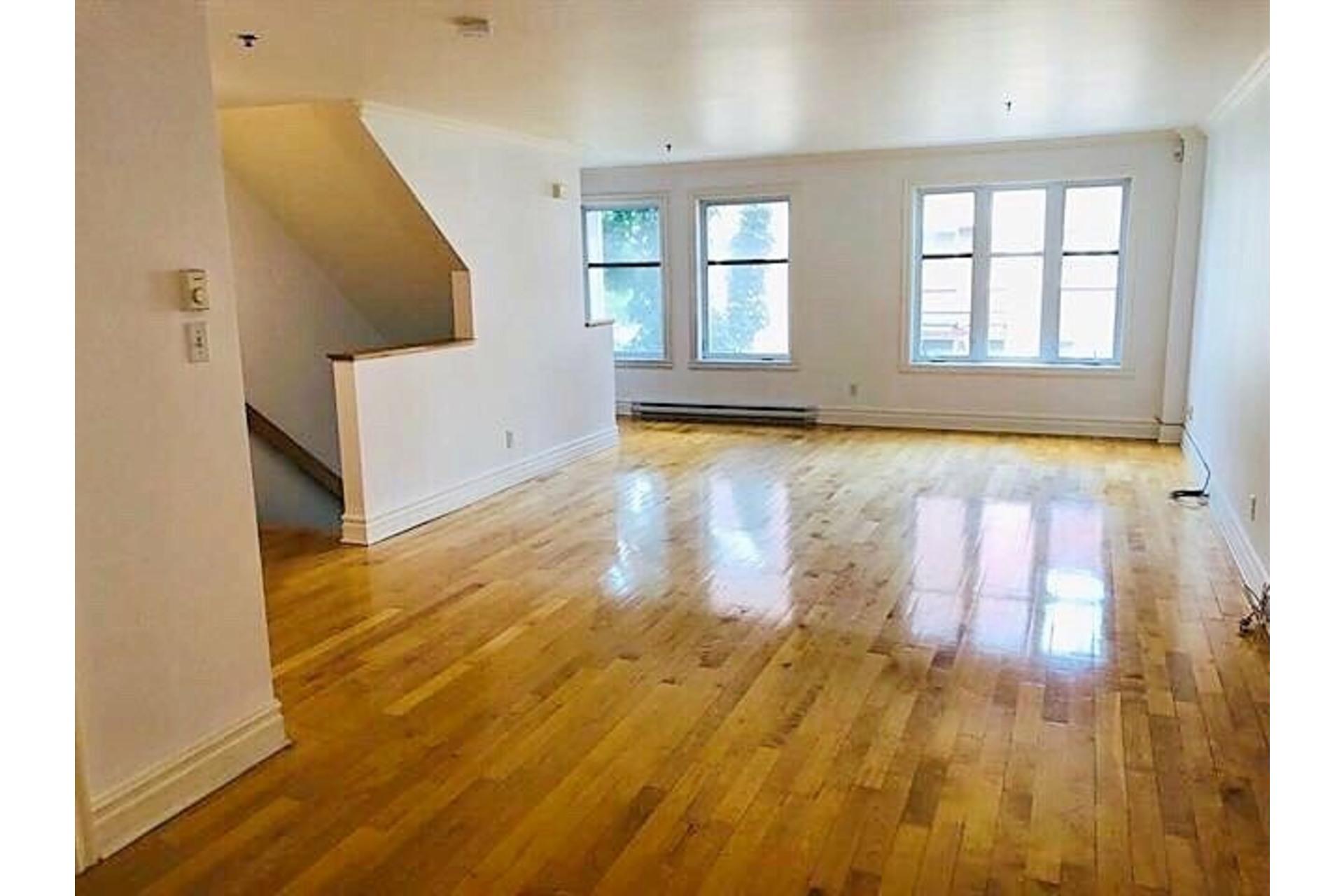 image 1 - Apartment For rent Ville-Marie Montréal  - 9 rooms