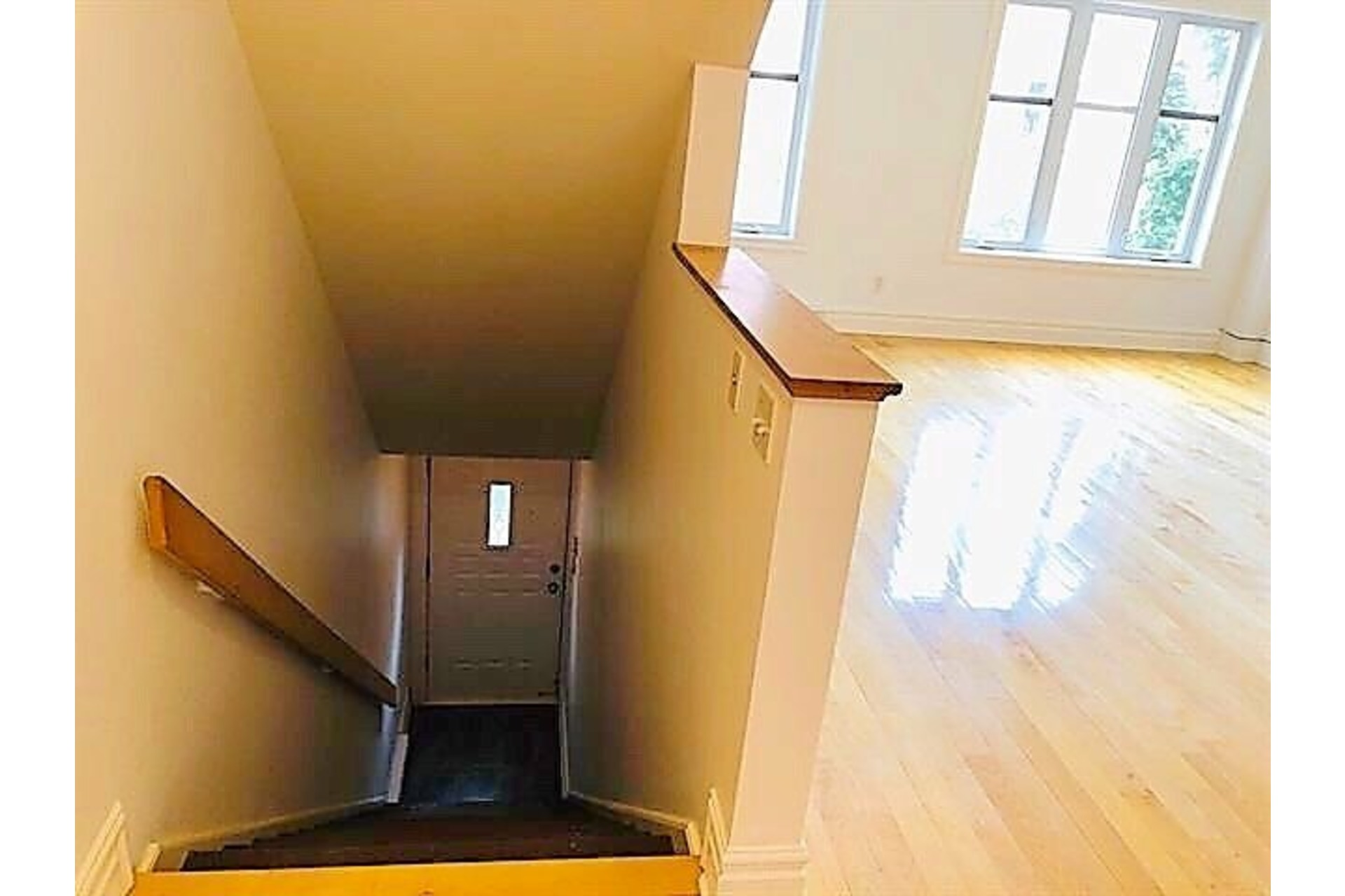 image 17 - Apartment For rent Ville-Marie Montréal  - 9 rooms