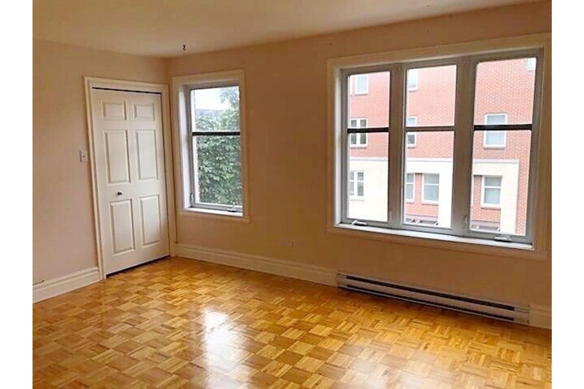 image 7 - Apartment For rent Ville-Marie Montréal  - 9 rooms