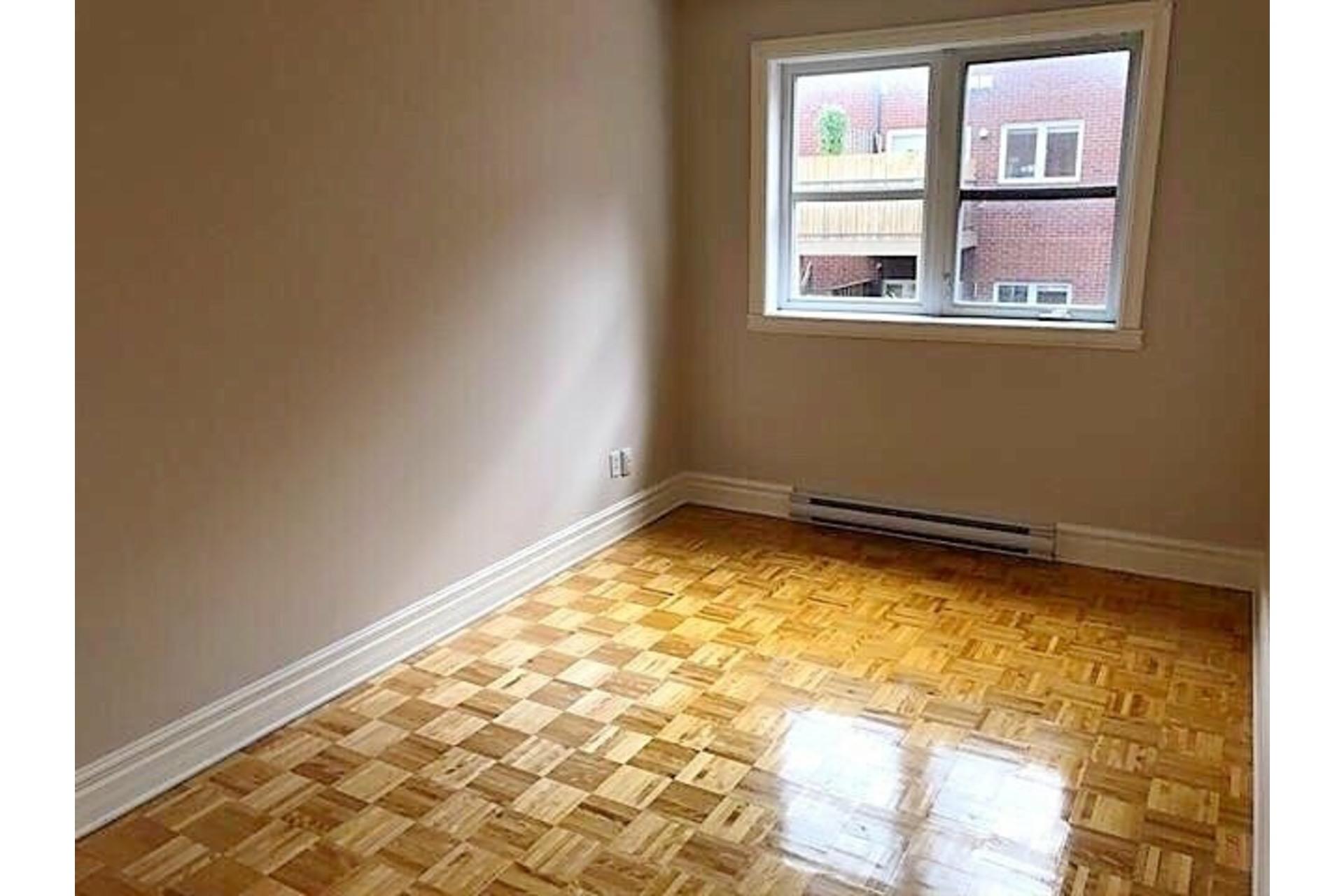 image 9 - Apartment For rent Ville-Marie Montréal  - 9 rooms