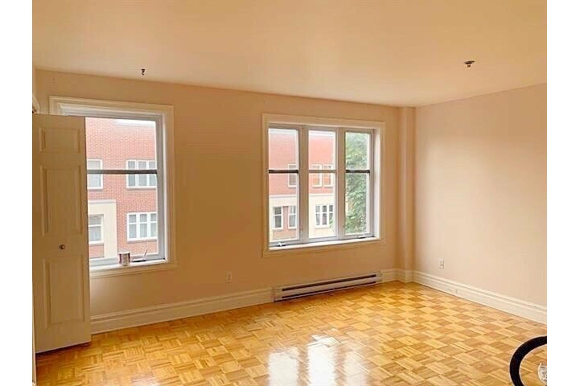 image 6 - Apartment For rent Ville-Marie Montréal  - 9 rooms