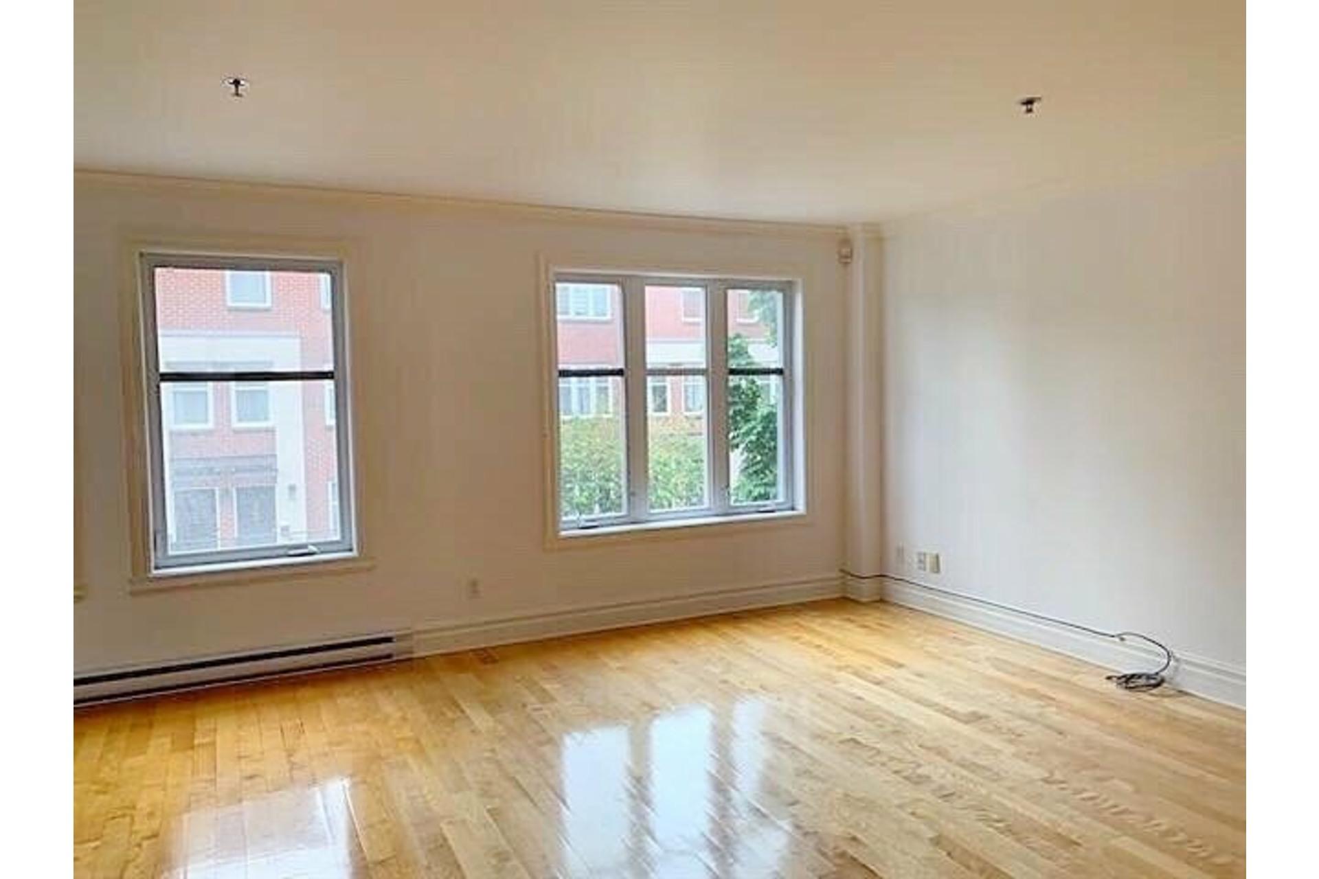image 3 - Apartment For rent Ville-Marie Montréal  - 9 rooms