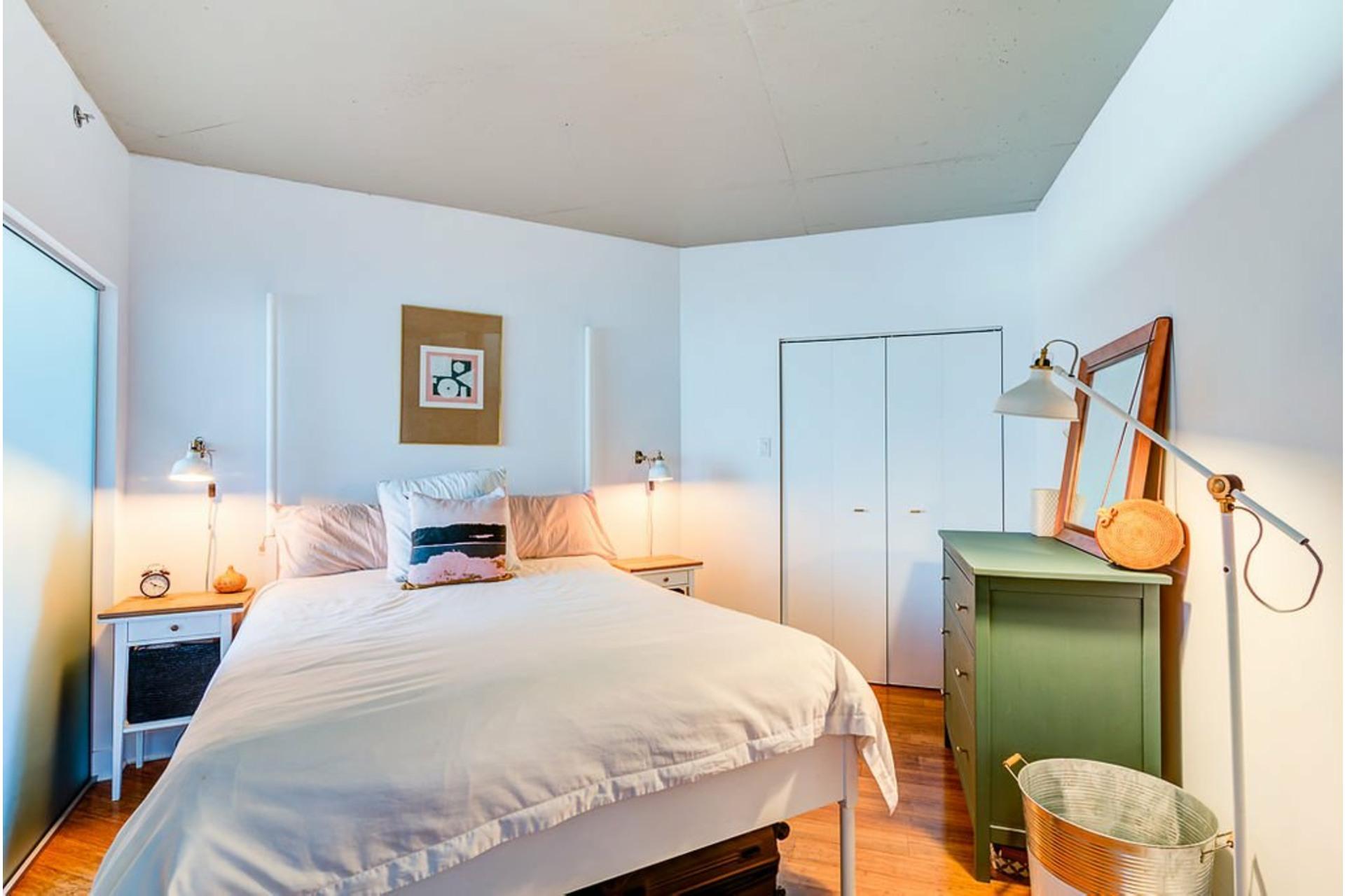 image 14 - Apartment For sale Villeray/Saint-Michel/Parc-Extension Montréal  - 4 rooms