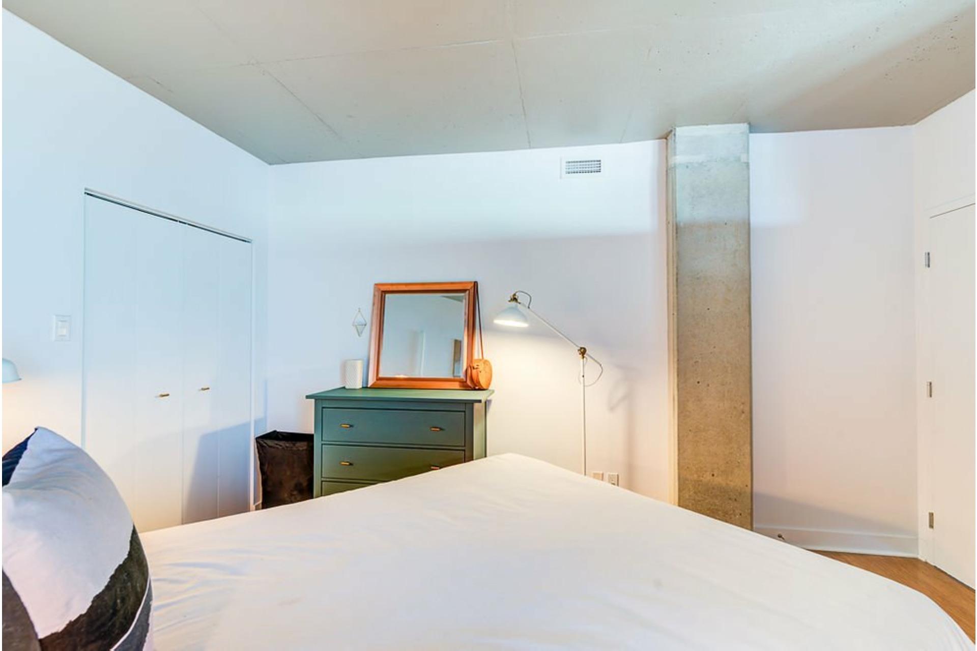 image 16 - Apartment For sale Villeray/Saint-Michel/Parc-Extension Montréal  - 4 rooms
